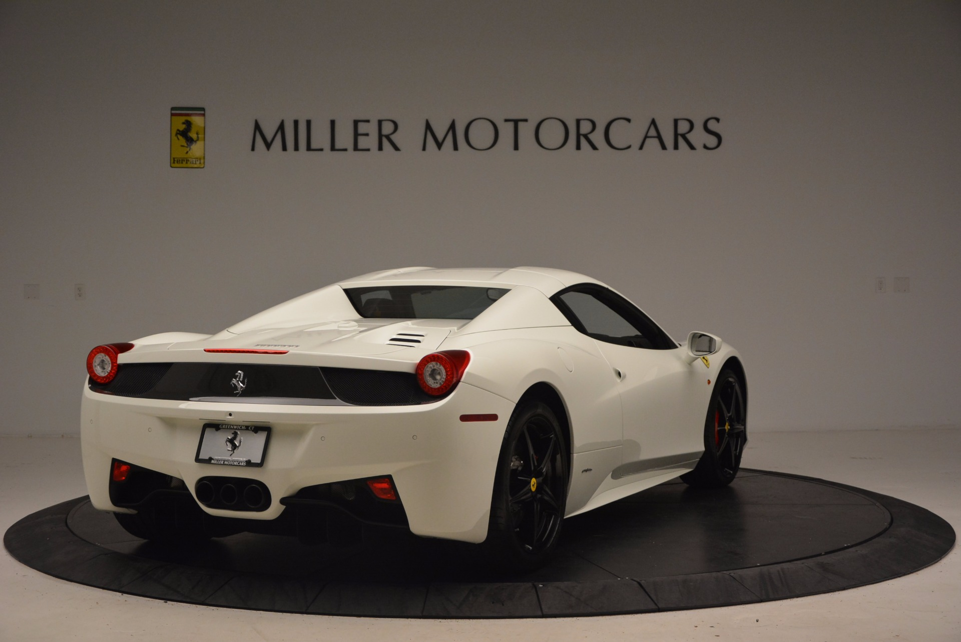Used 2015 Ferrari 458 Spider  For Sale In Westport, CT 1534_p19