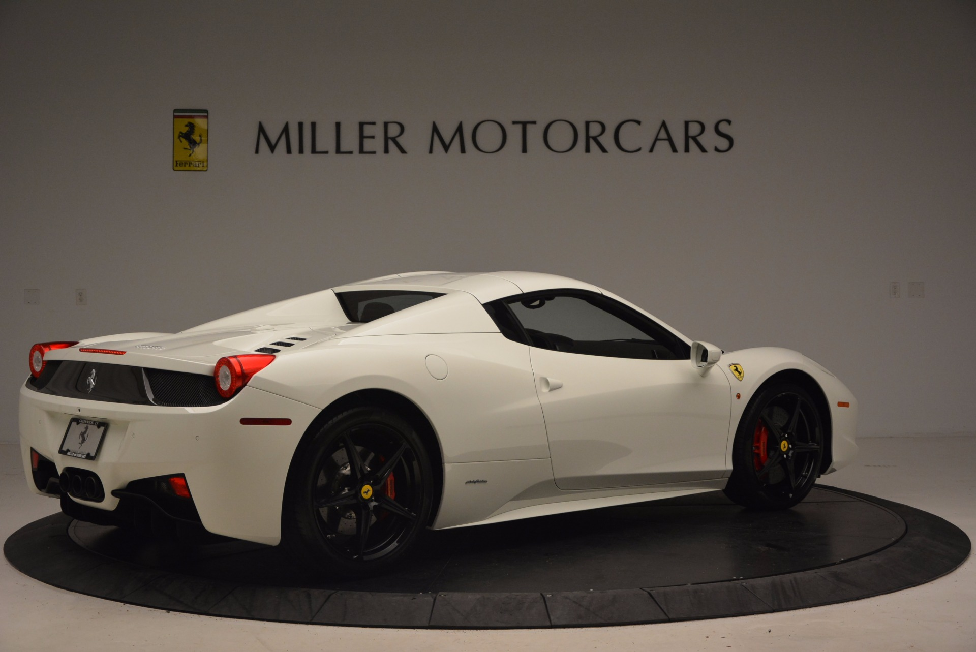 Used 2015 Ferrari 458 Spider  For Sale In Westport, CT 1534_p20