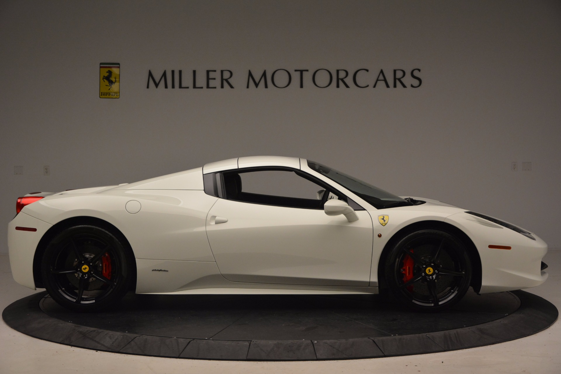 Used 2015 Ferrari 458 Spider  For Sale In Westport, CT 1534_p21