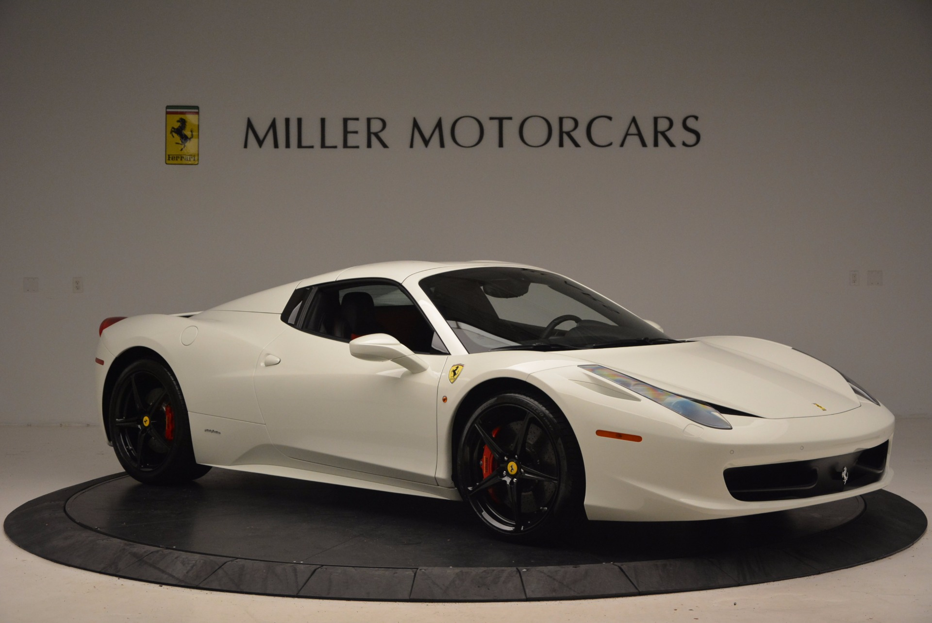 Used 2015 Ferrari 458 Spider  For Sale In Westport, CT 1534_p22