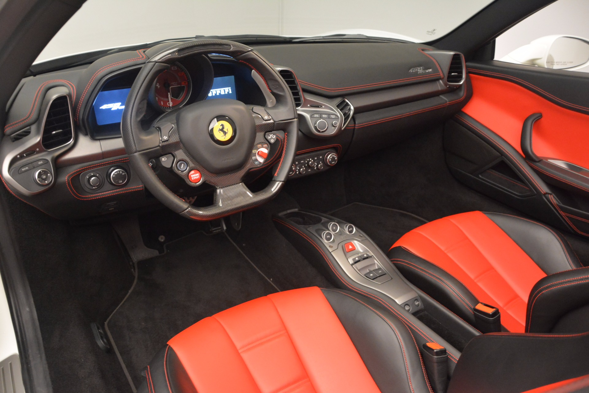 Used 2015 Ferrari 458 Spider  For Sale In Westport, CT 1534_p25