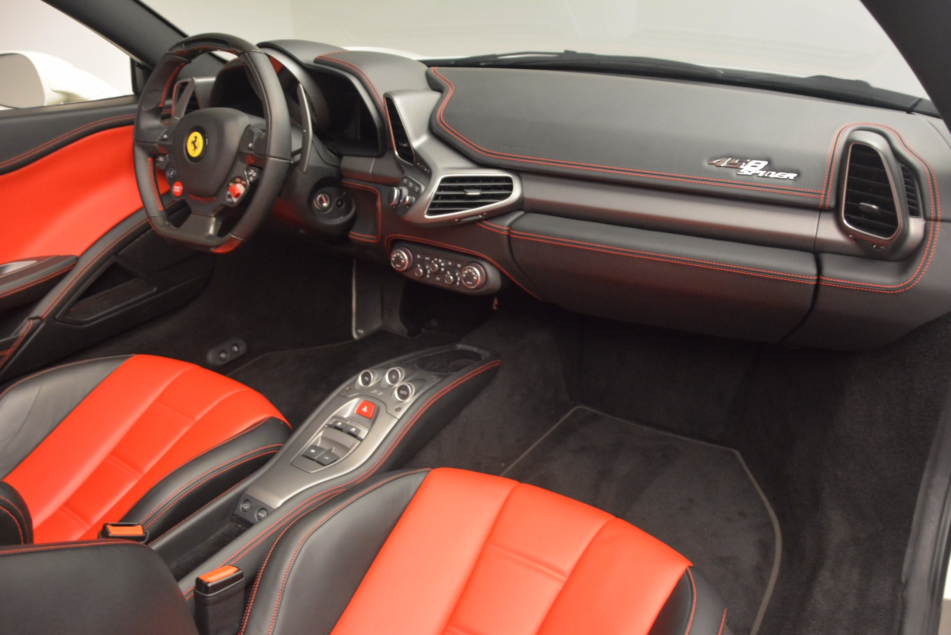 Used 2015 Ferrari 458 Spider  For Sale In Westport, CT 1534_p29