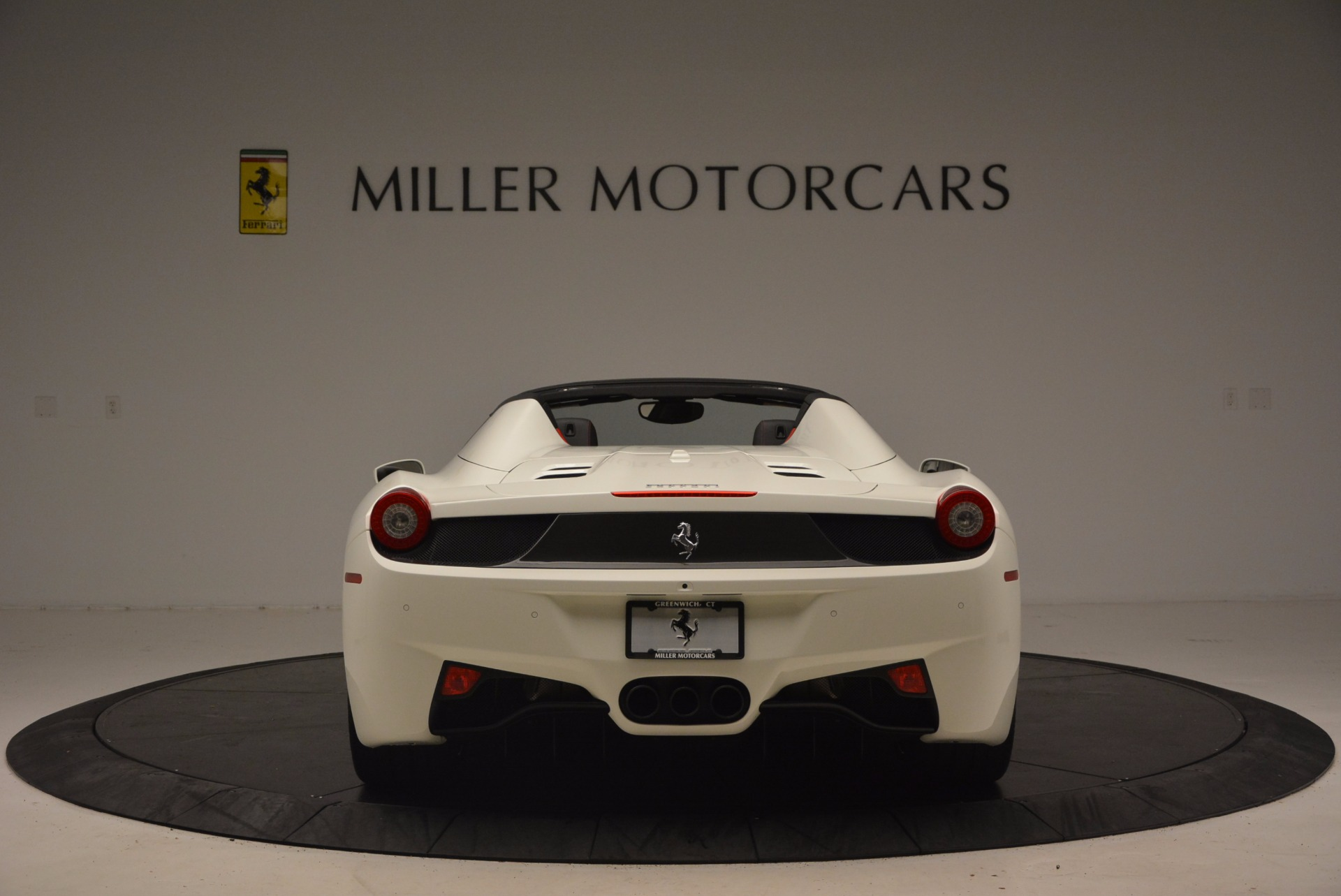 Used 2015 Ferrari 458 Spider  For Sale In Westport, CT 1534_p6