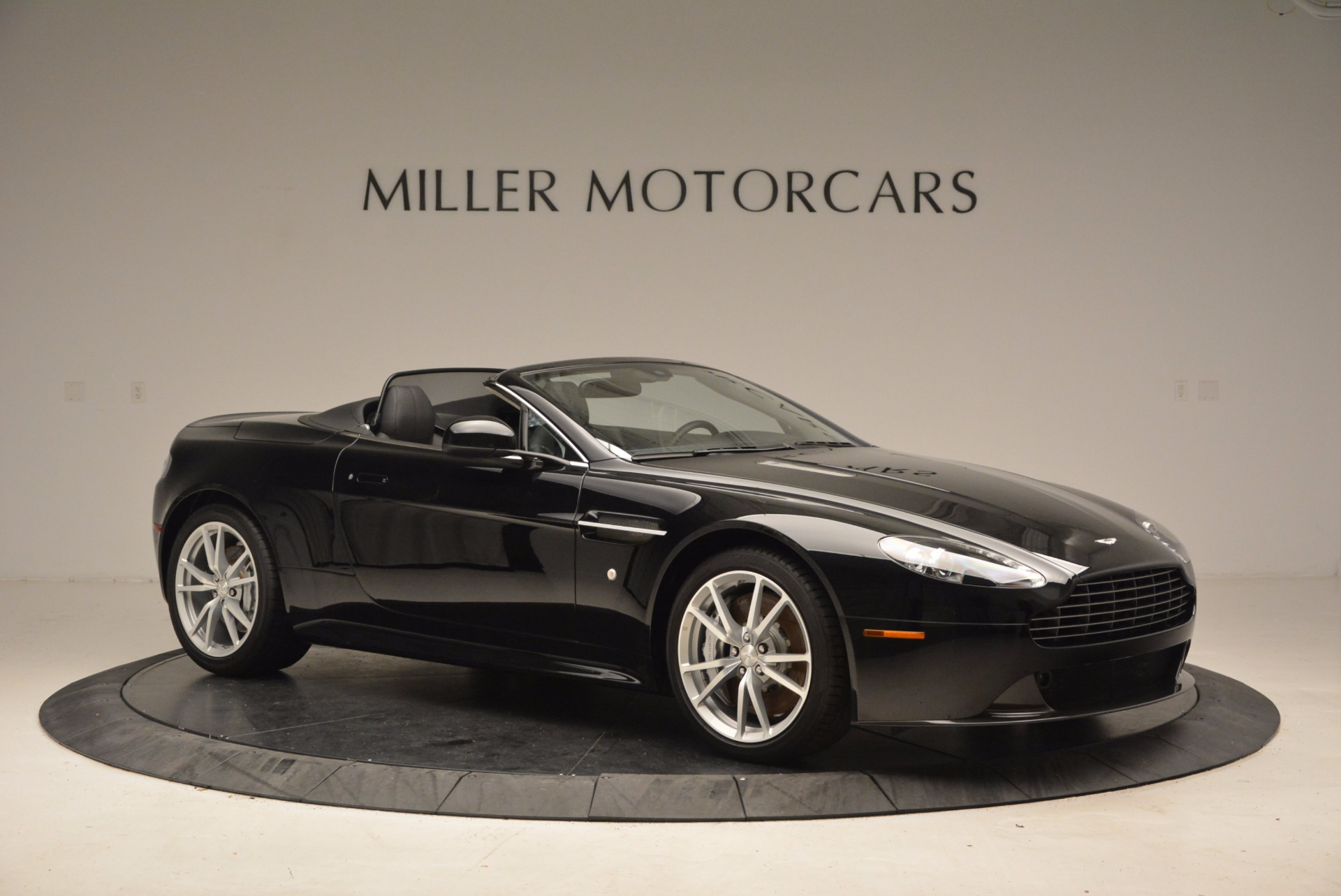 New 2016 Aston Martin V8 Vantage Roadster For Sale In Westport, CT 1546_p10