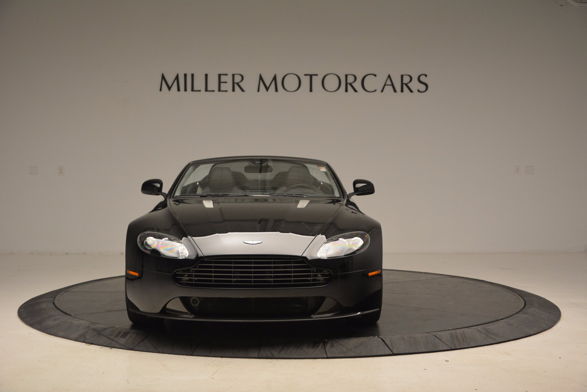 New 2016 Aston Martin V8 Vantage Roadster For Sale In Westport, CT 1546_p12