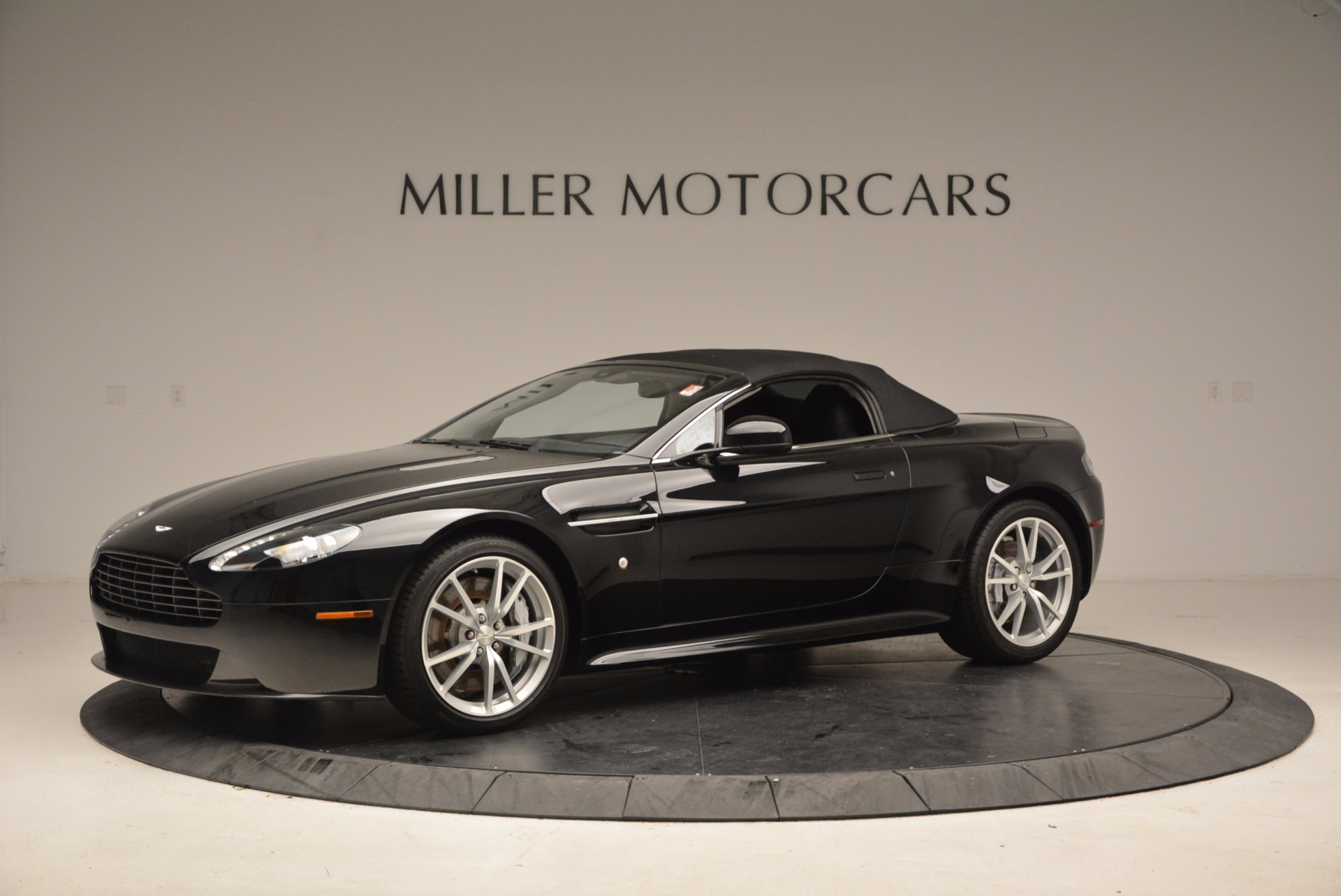 New 2016 Aston Martin V8 Vantage Roadster For Sale In Westport, CT 1546_p14