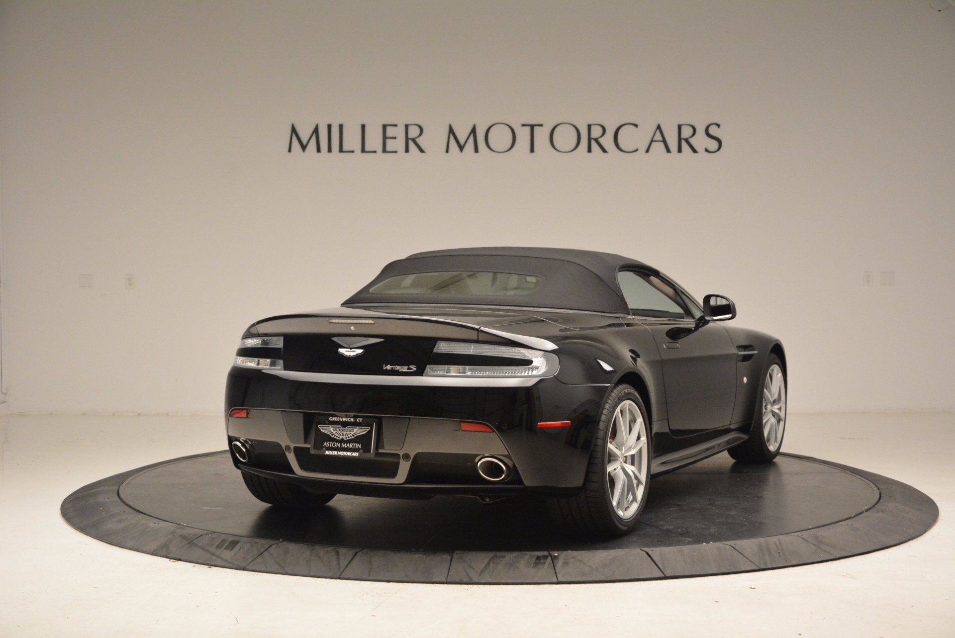 New 2016 Aston Martin V8 Vantage Roadster For Sale In Westport, CT 1546_p19