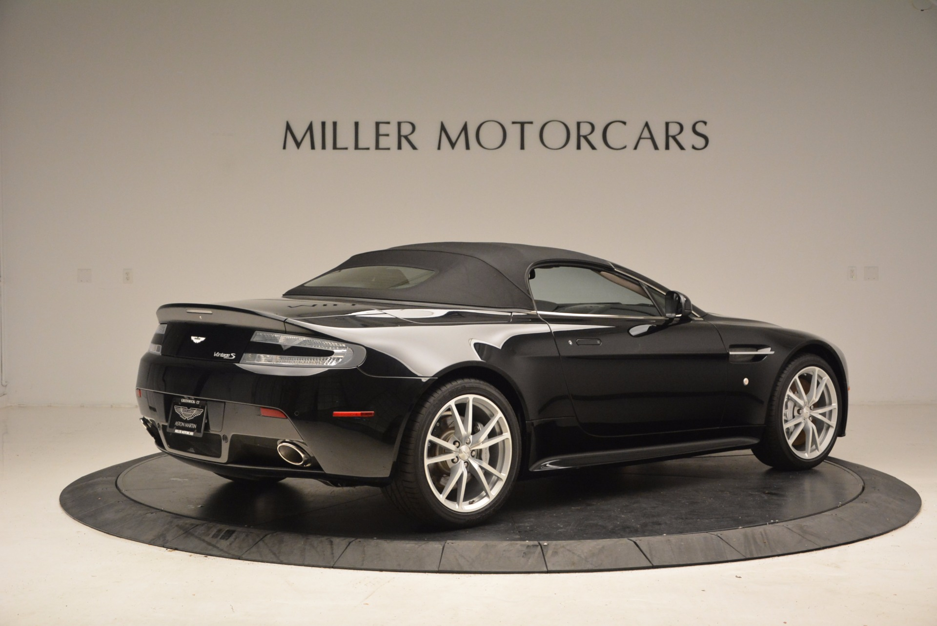 New 2016 Aston Martin V8 Vantage Roadster For Sale In Westport, CT 1546_p20