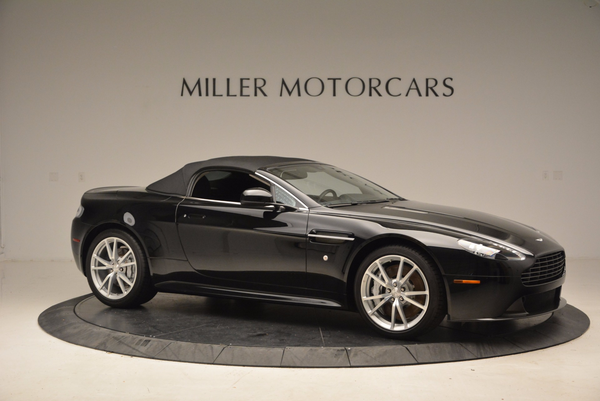 New 2016 Aston Martin V8 Vantage Roadster For Sale In Westport, CT 1546_p22