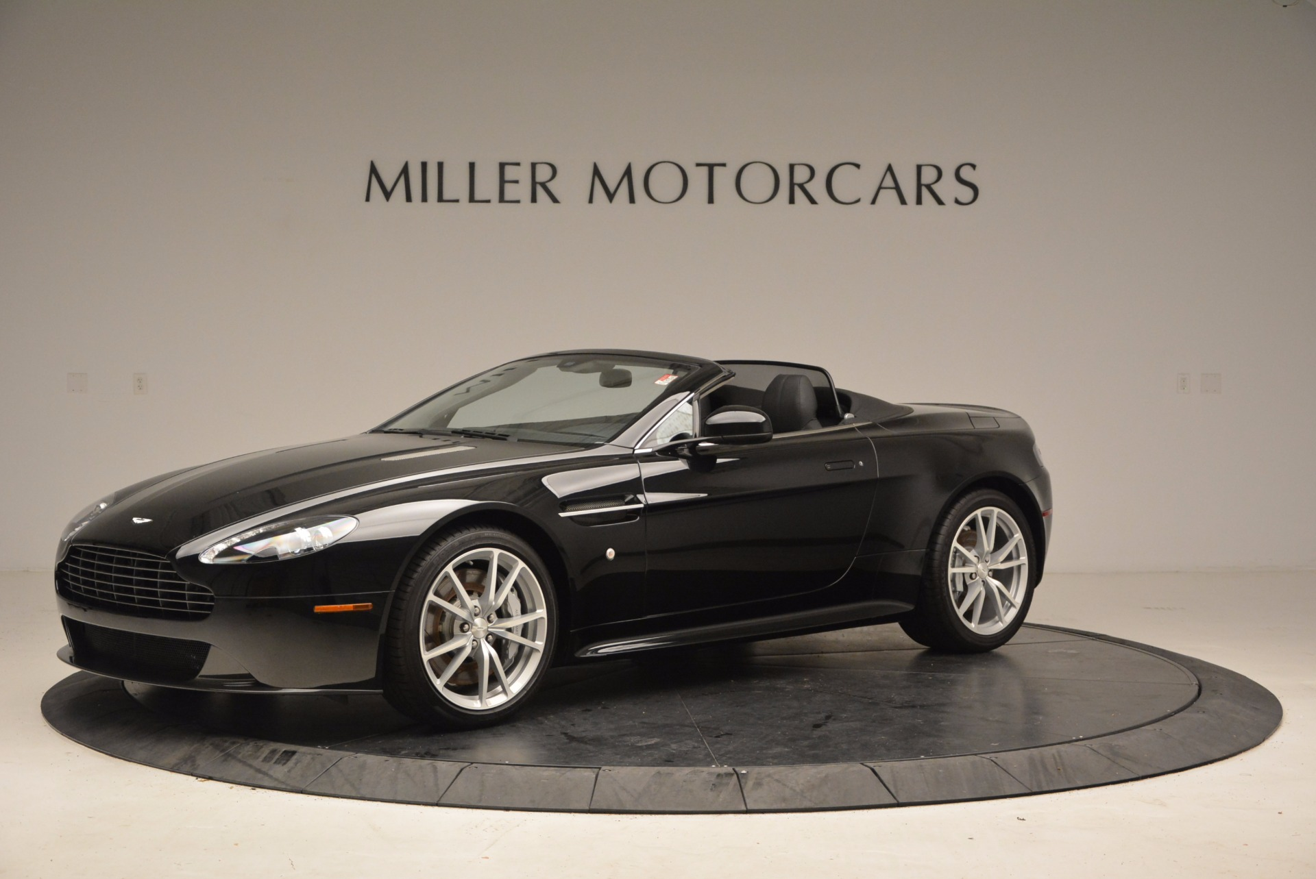 New 2016 Aston Martin V8 Vantage Roadster For Sale In Westport, CT 1546_p2