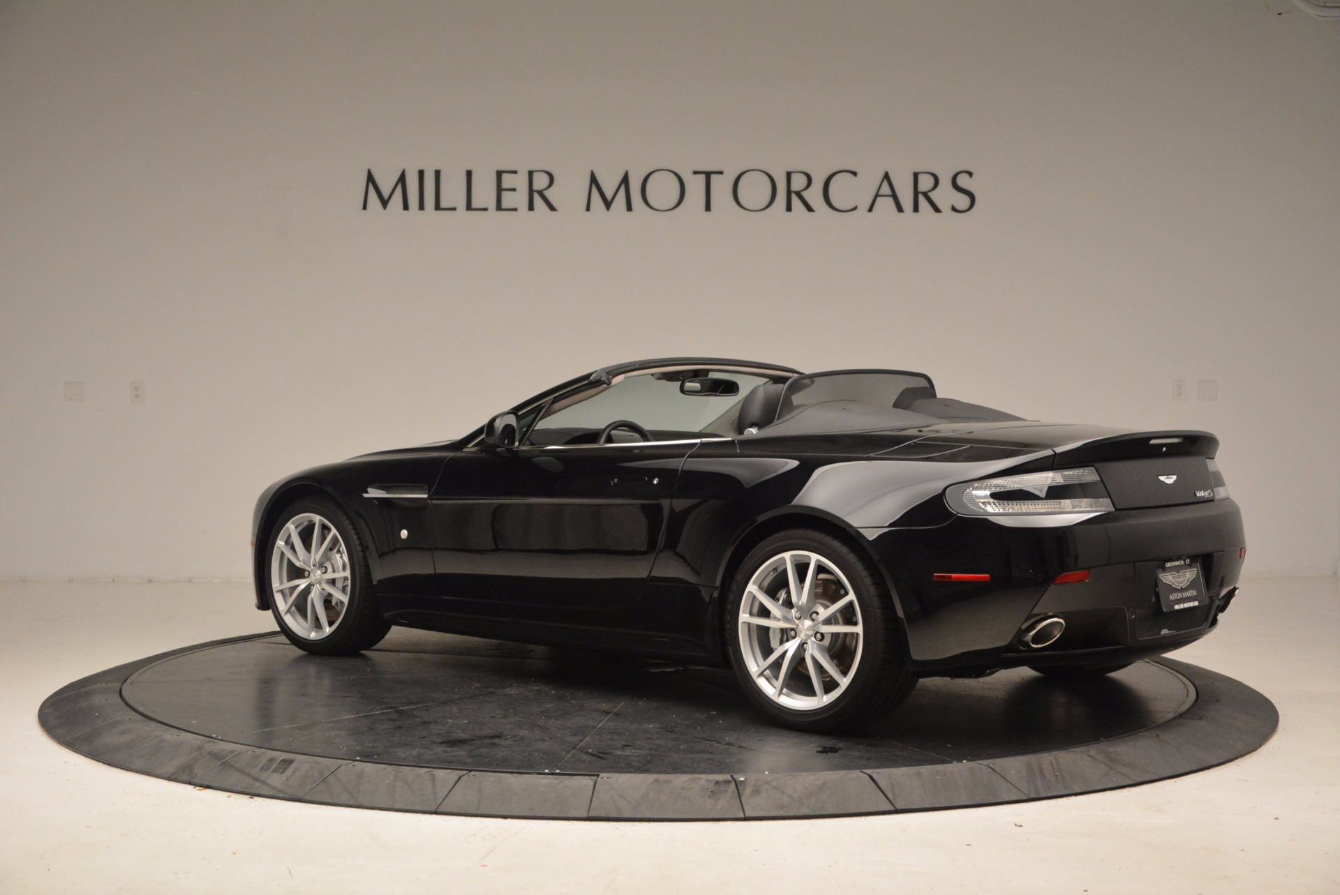 New 2016 Aston Martin V8 Vantage Roadster For Sale In Westport, CT 1546_p4