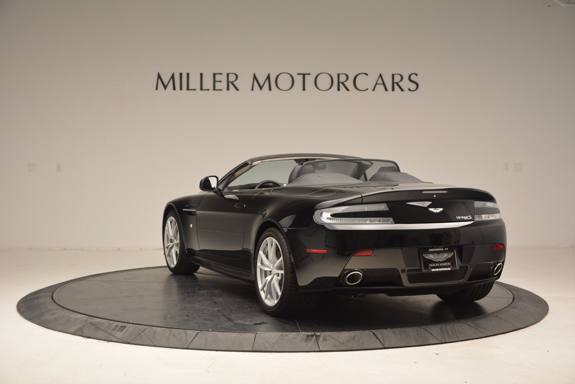 New 2016 Aston Martin V8 Vantage Roadster For Sale In Westport, CT 1546_p5