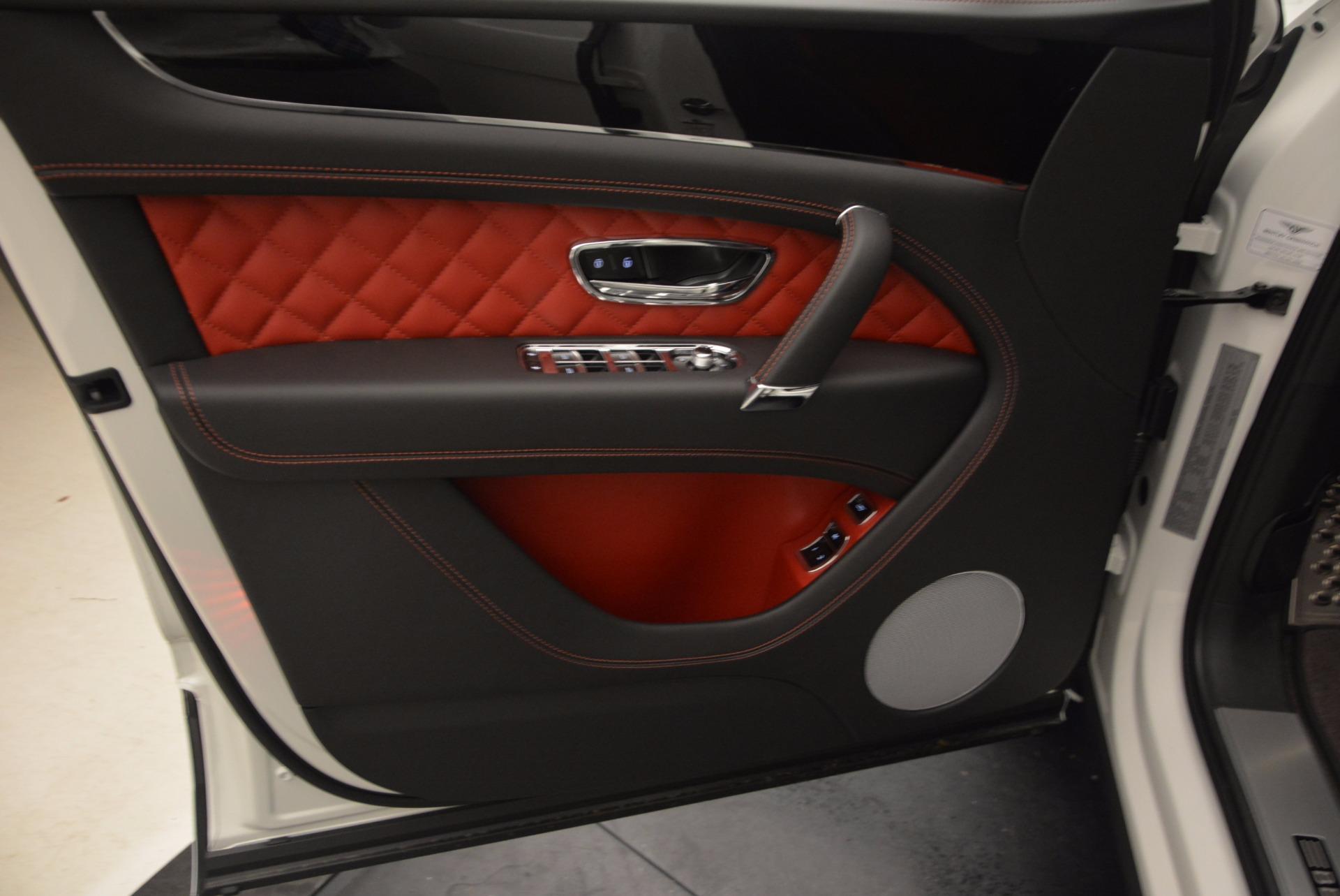 New 2018 Bentley Bentayga Onyx For Sale In Westport, CT 1548_p17