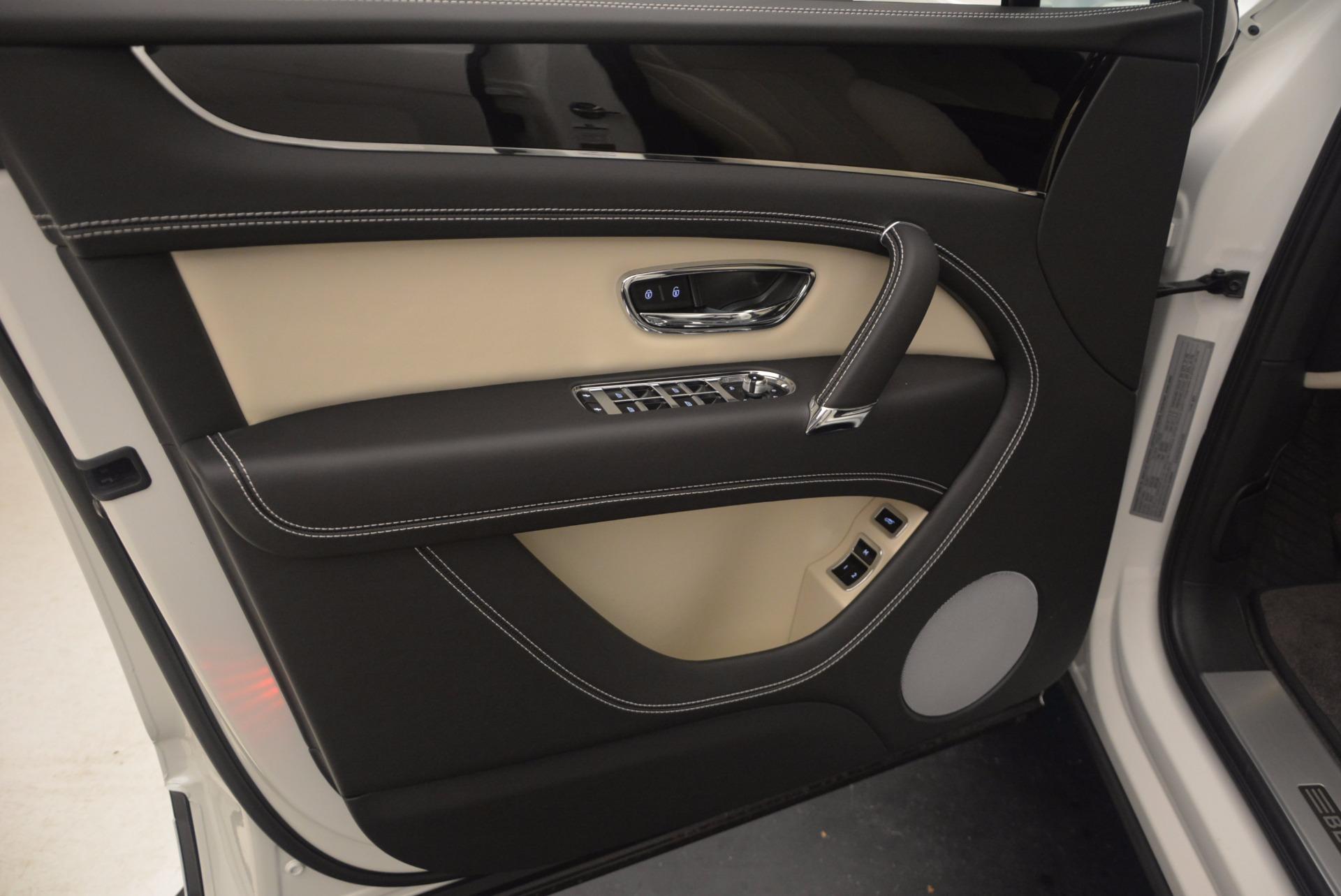 Used 2018 Bentley Bentayga Onyx For Sale In Westport, CT 1549_p15