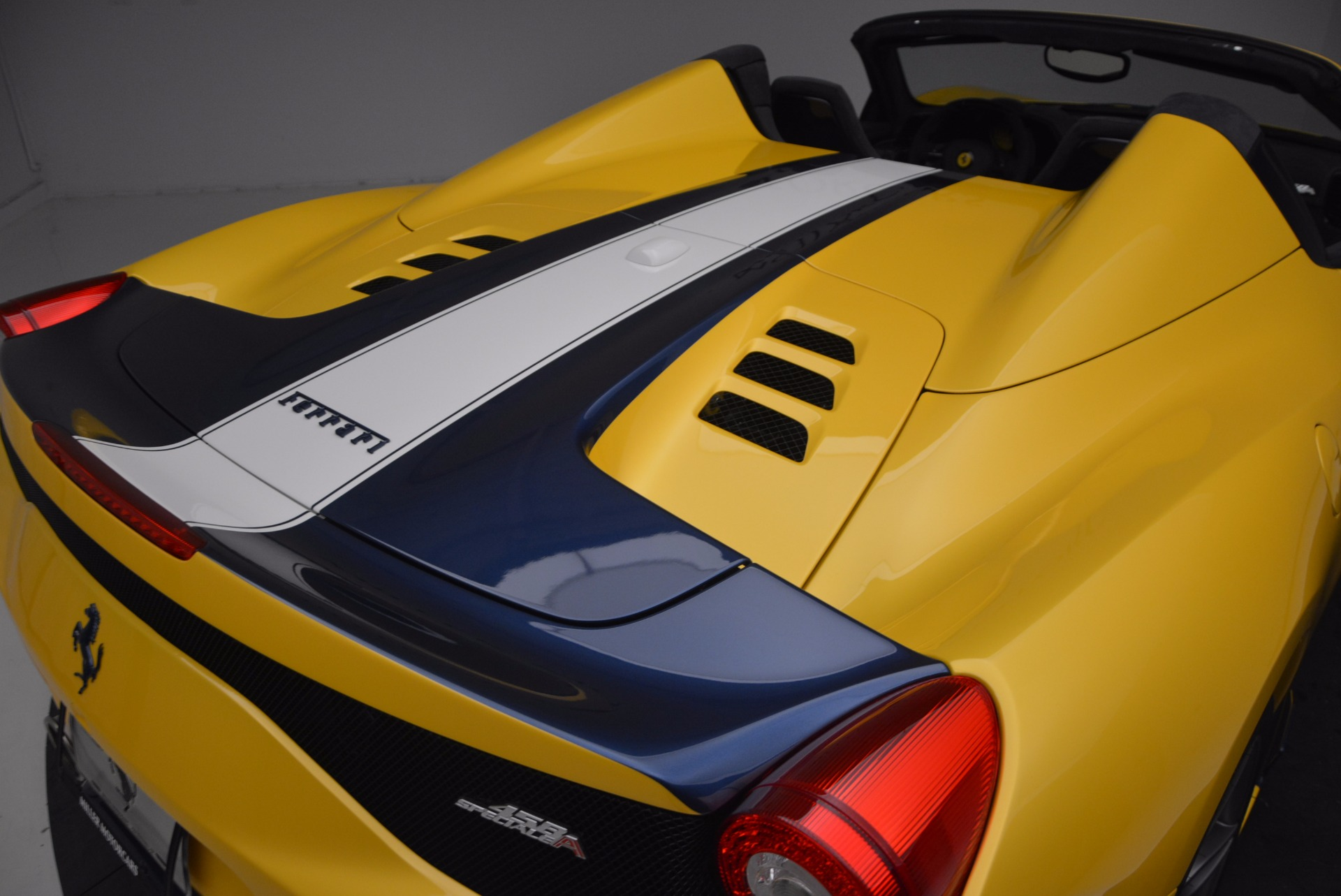 Used 2015 Ferrari 458 Speciale Aperta  For Sale In Westport, CT 1555_p34