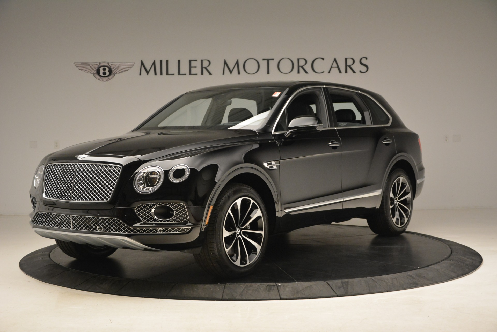 New 2018 Bentley Bentayga Onyx For Sale In Westport, CT 1579_p2