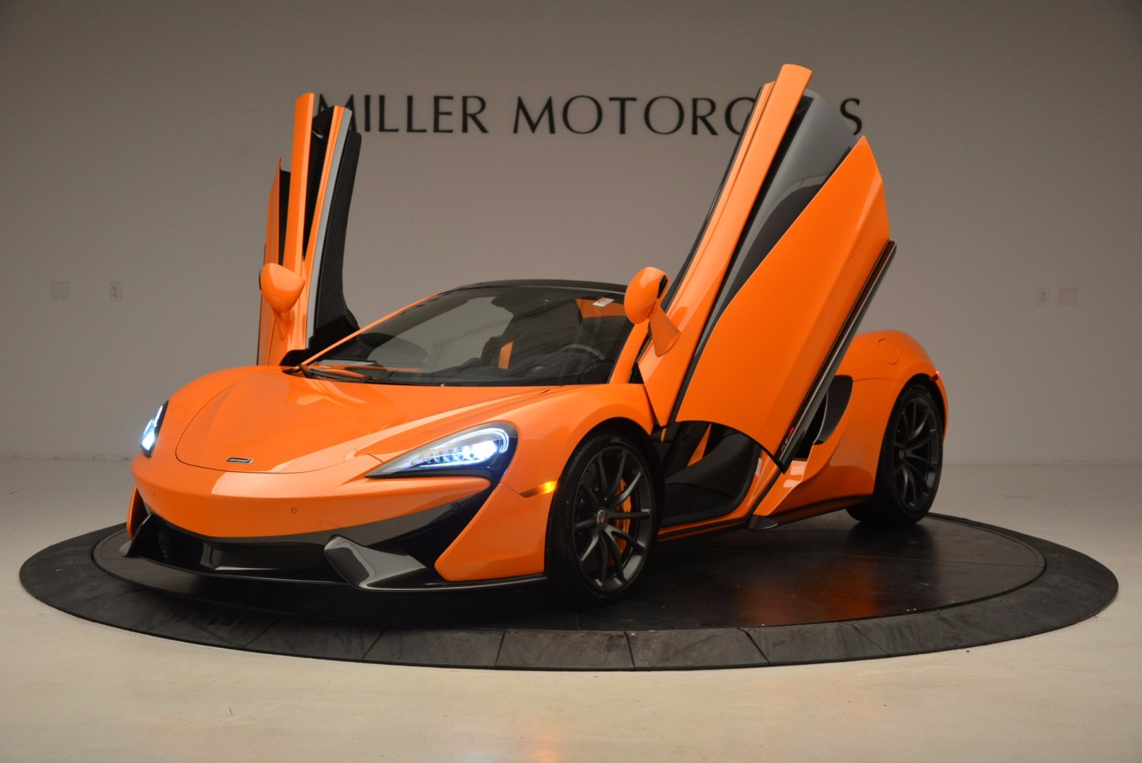 New 2018 McLaren 570S Spider  For Sale In Westport, CT 1580_p14