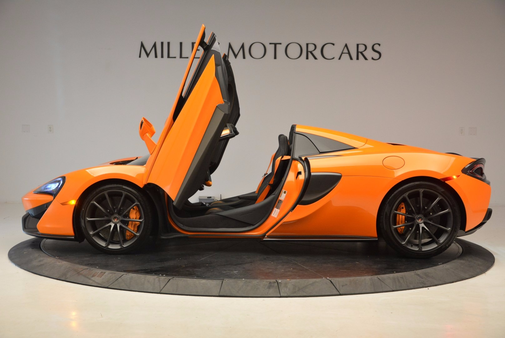 New 2018 McLaren 570S Spider  For Sale In Westport, CT 1580_p15