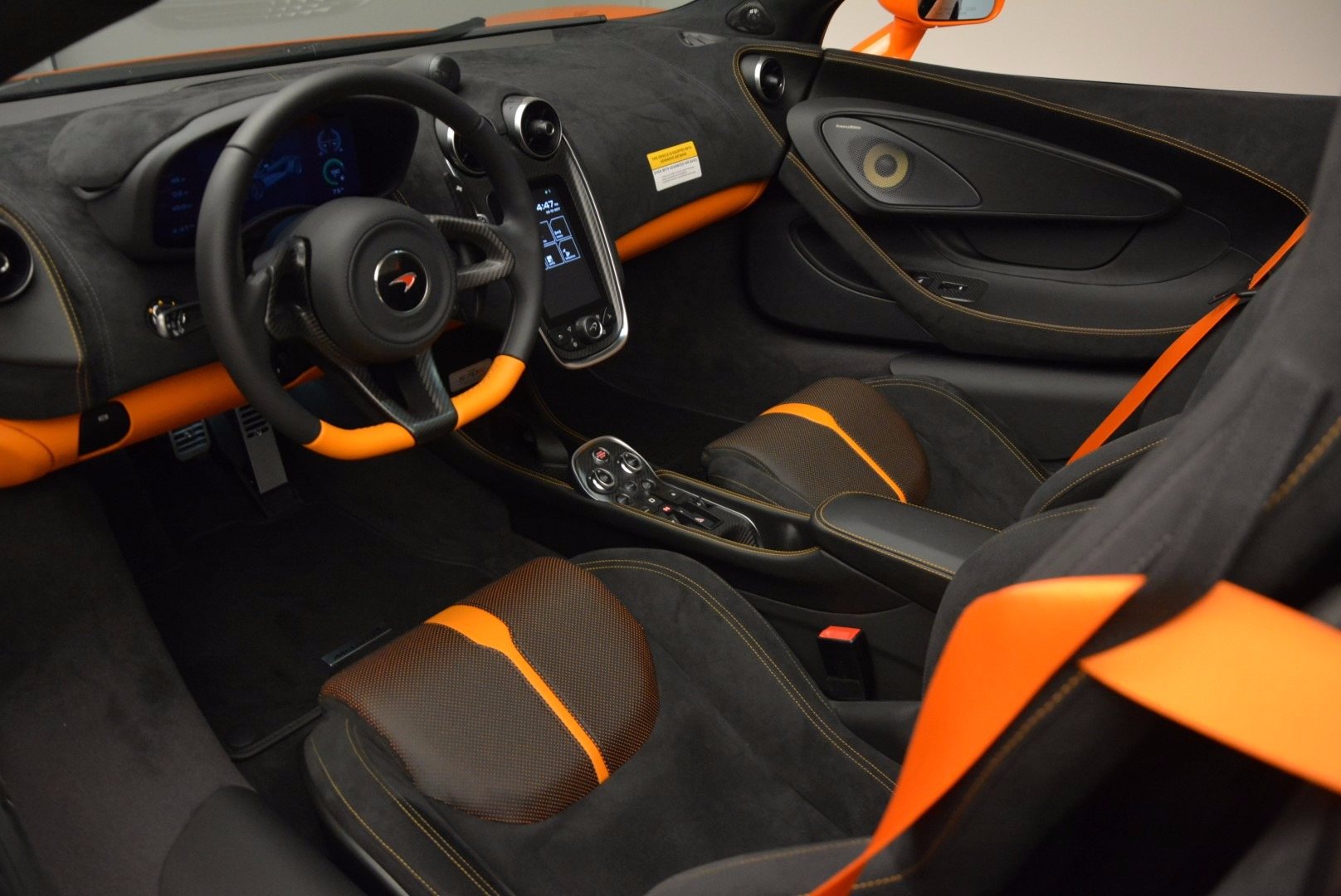 New 2018 McLaren 570S Spider  For Sale In Westport, CT 1580_p25