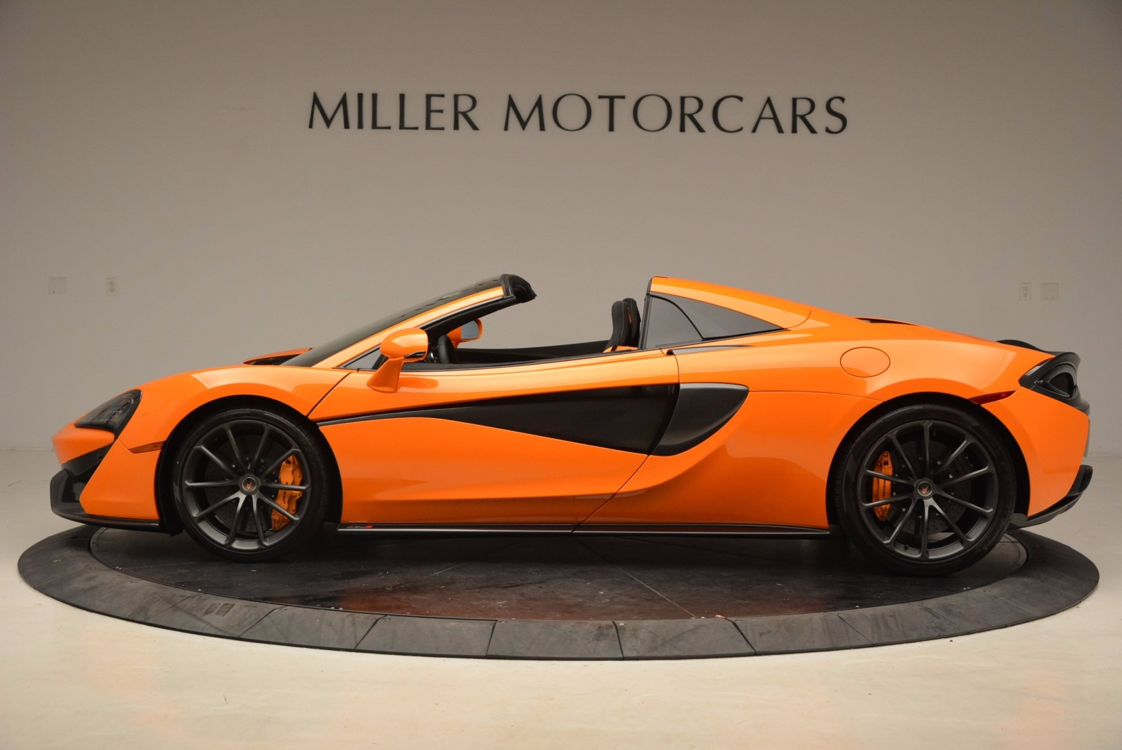 New 2018 McLaren 570S Spider  For Sale In Westport, CT 1580_p3