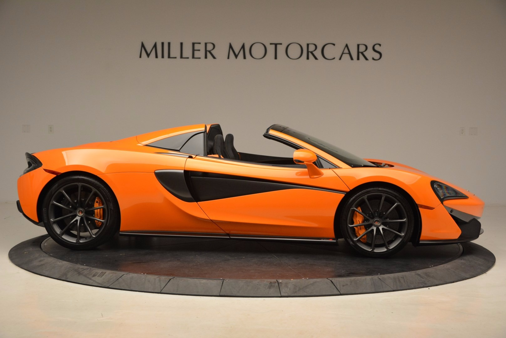 New 2018 McLaren 570S Spider  For Sale In Westport, CT 1580_p9