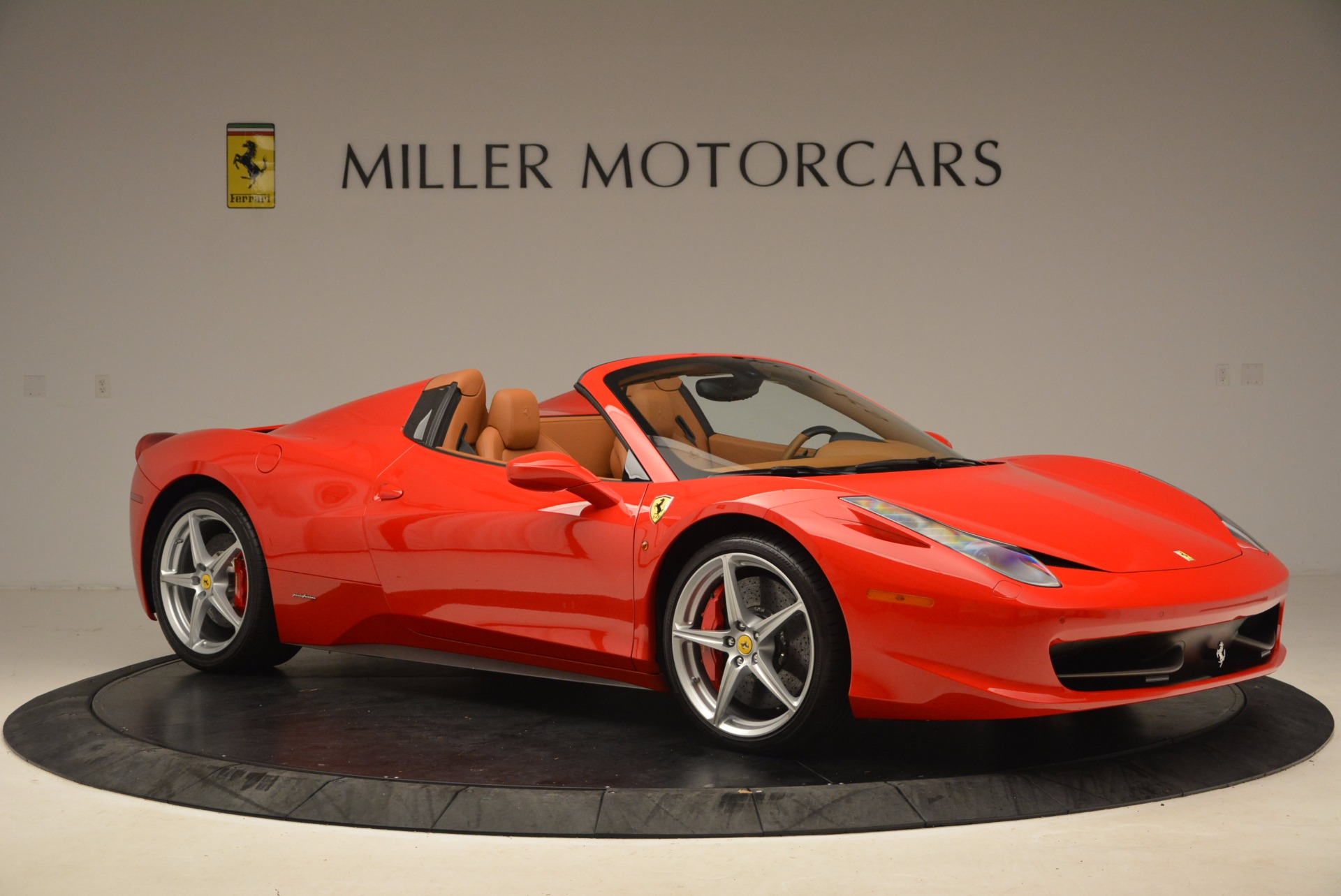 Used 2012 Ferrari 458 Spider  For Sale In Westport, CT 1581_p10