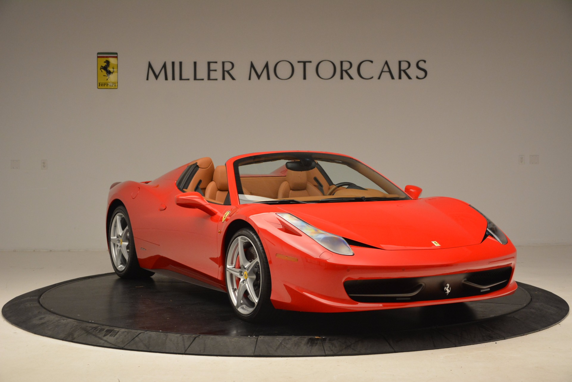 Used 2012 Ferrari 458 Spider  For Sale In Westport, CT 1581_p11
