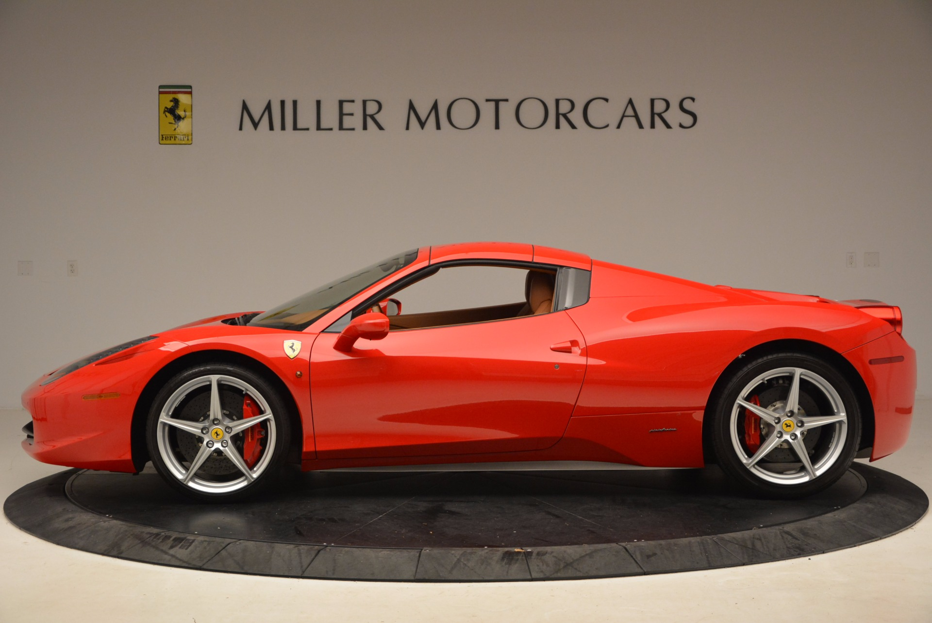 Used 2012 Ferrari 458 Spider  For Sale In Westport, CT 1581_p15
