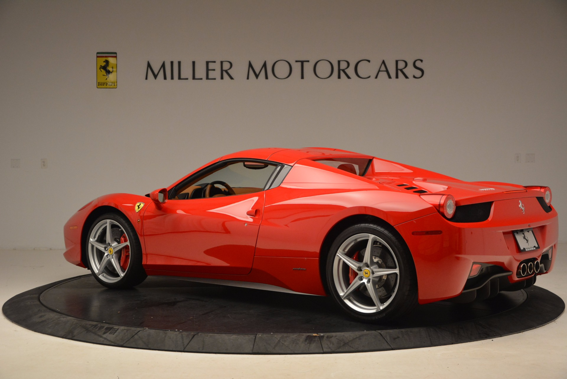 Used 2012 Ferrari 458 Spider  For Sale In Westport, CT 1581_p16