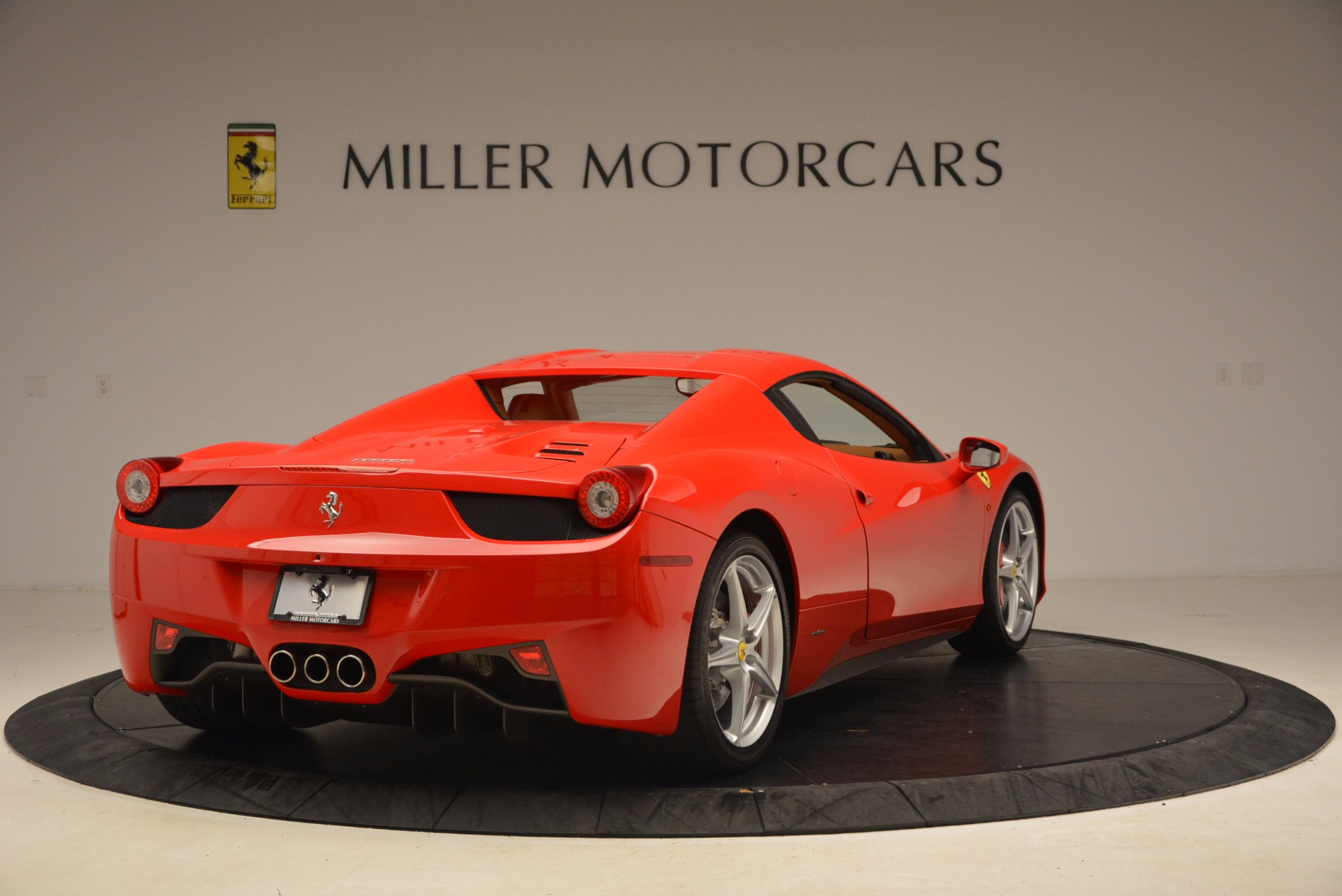 Used 2012 Ferrari 458 Spider  For Sale In Westport, CT 1581_p19