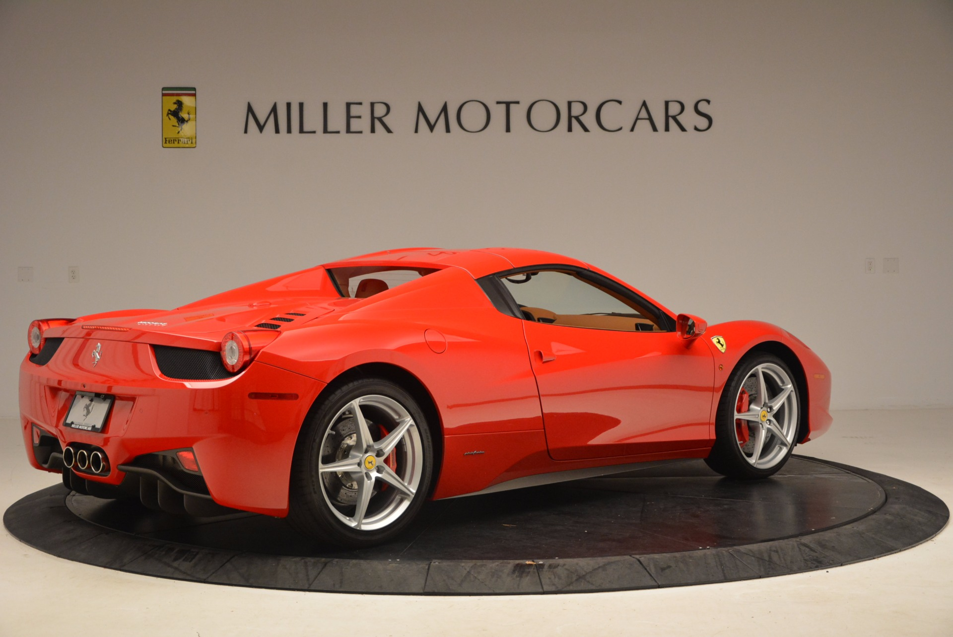 Used 2012 Ferrari 458 Spider  For Sale In Westport, CT 1581_p20