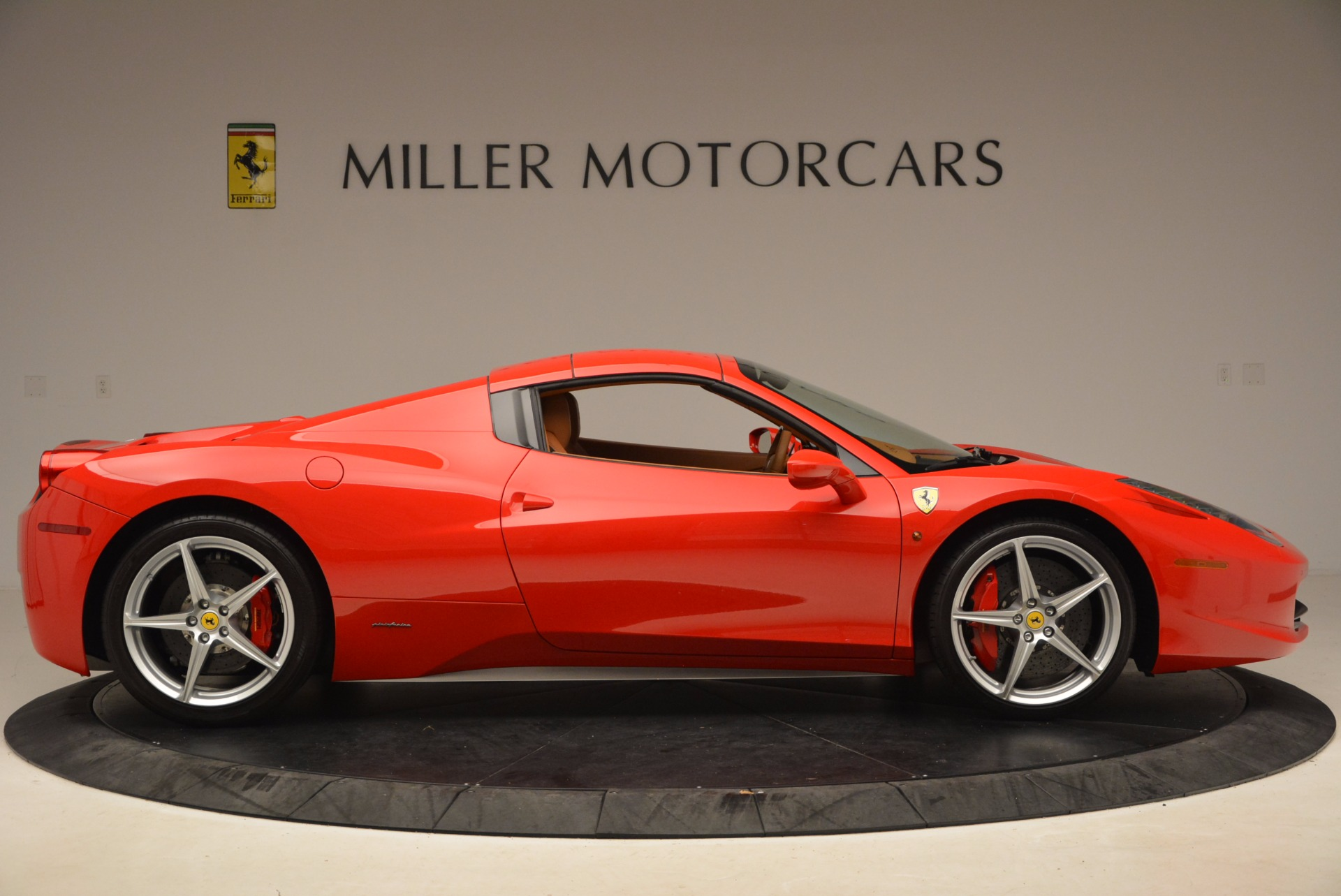 Used 2012 Ferrari 458 Spider  For Sale In Westport, CT 1581_p21