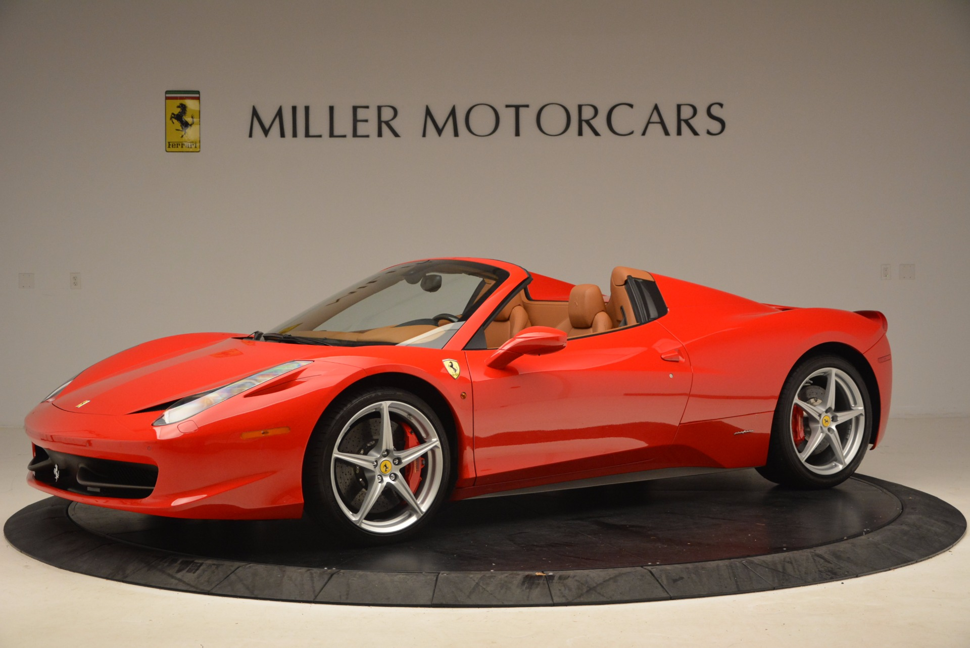 Used 2012 Ferrari 458 Spider  For Sale In Westport, CT 1581_p2