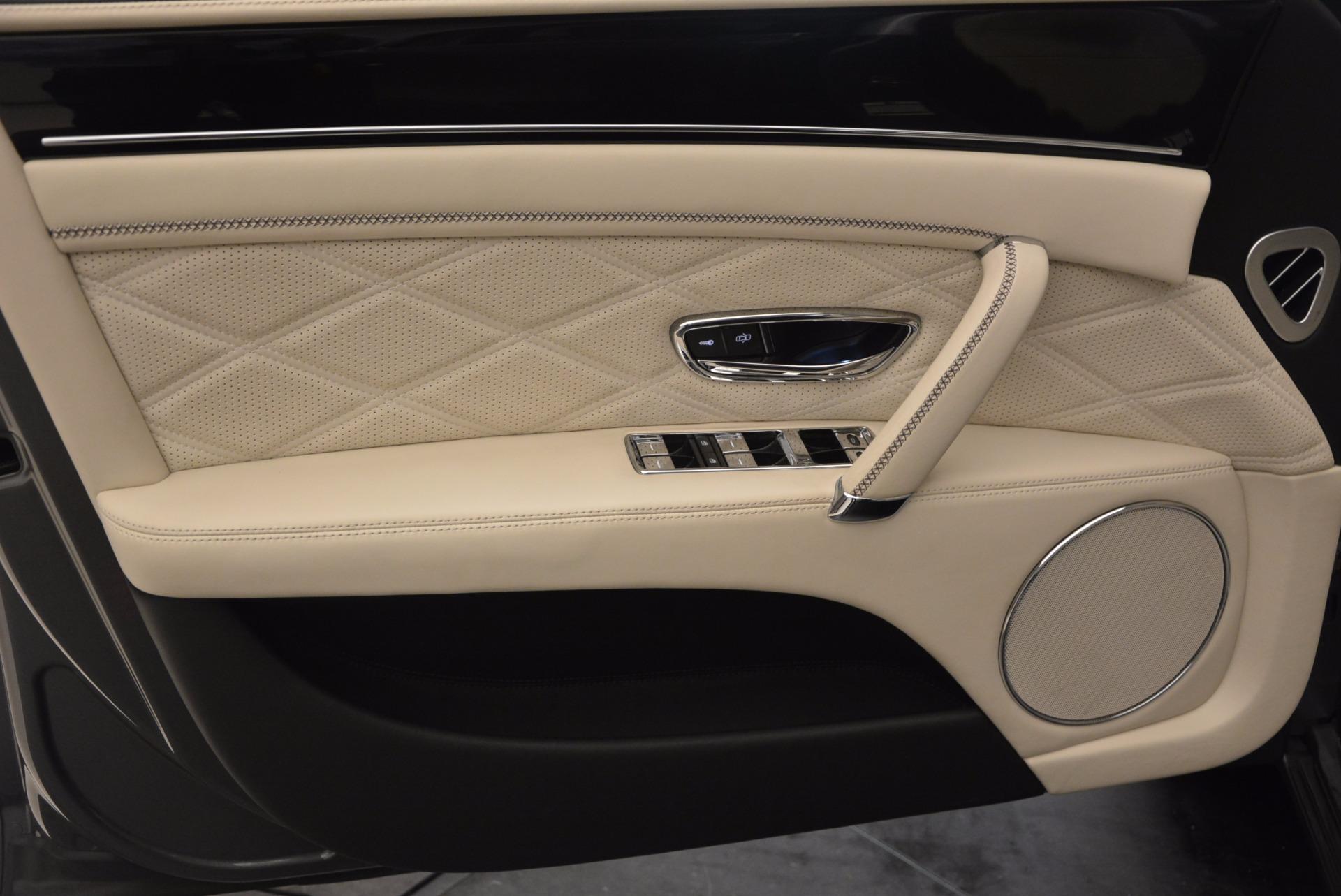 Used 2015 Bentley Flying Spur W12 For Sale In Westport, CT 1582_p21