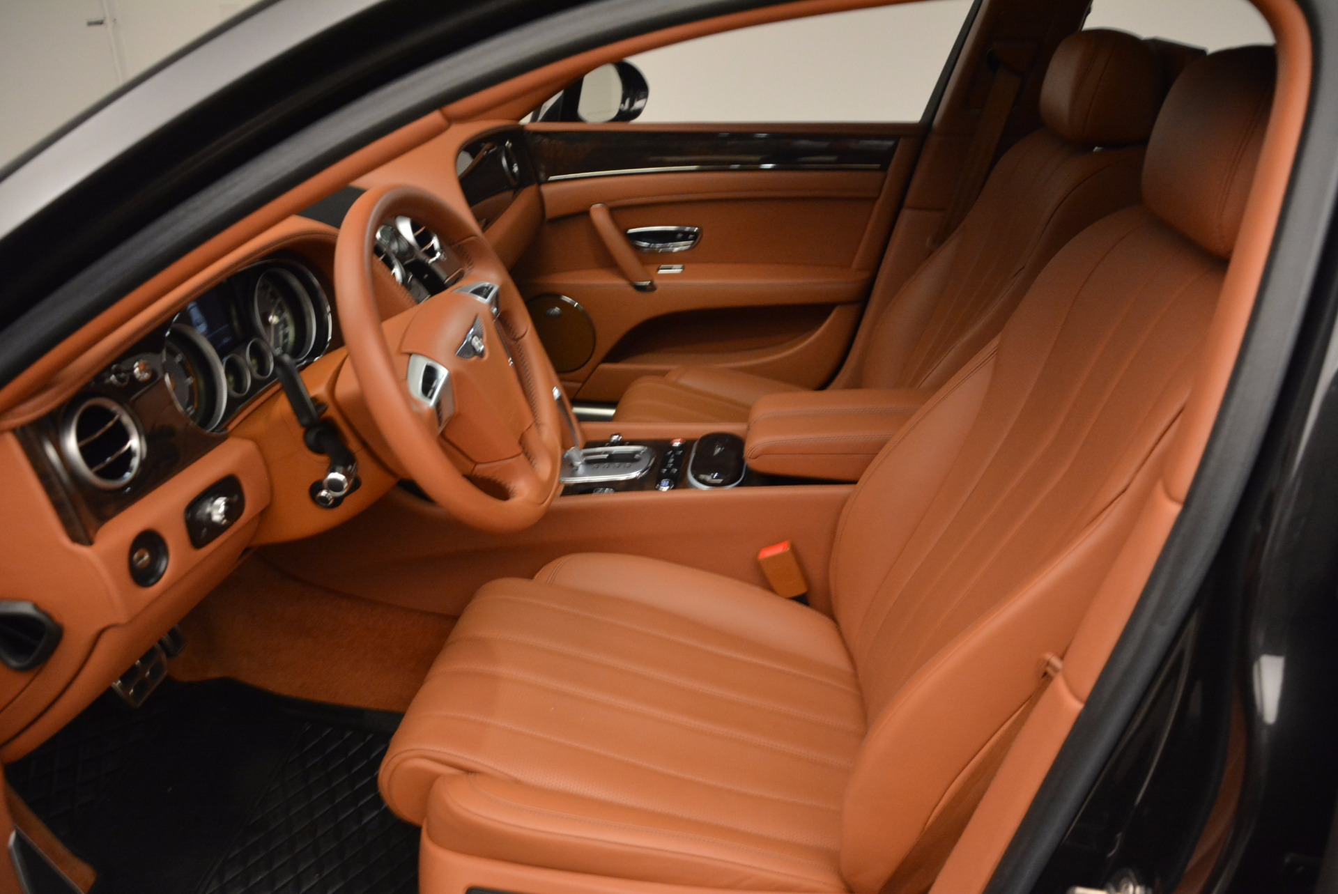 Used 2014 Bentley Flying Spur W12 For Sale In Westport, CT 1598_p27