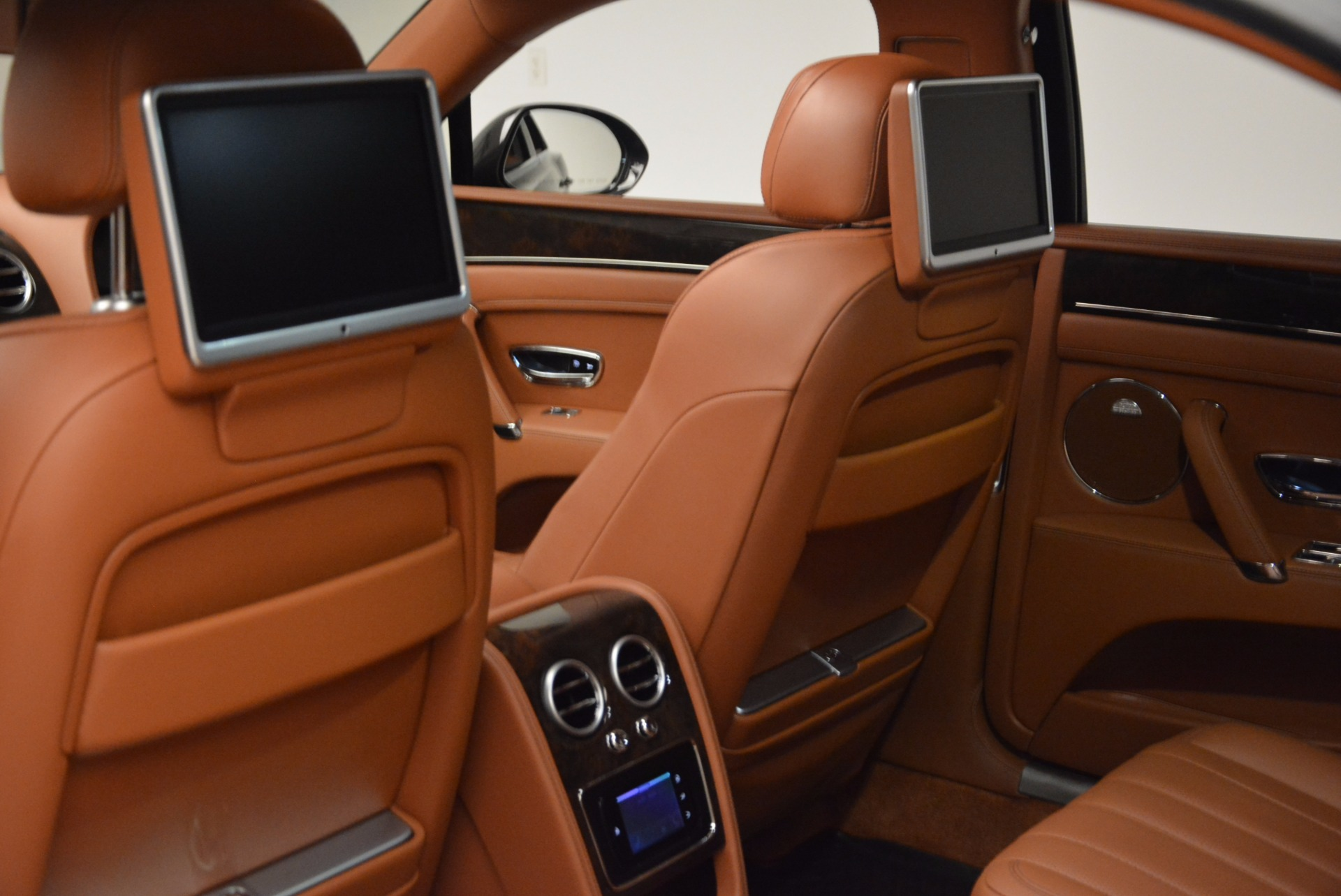 Used 2014 Bentley Flying Spur W12 For Sale In Westport, CT 1598_p32