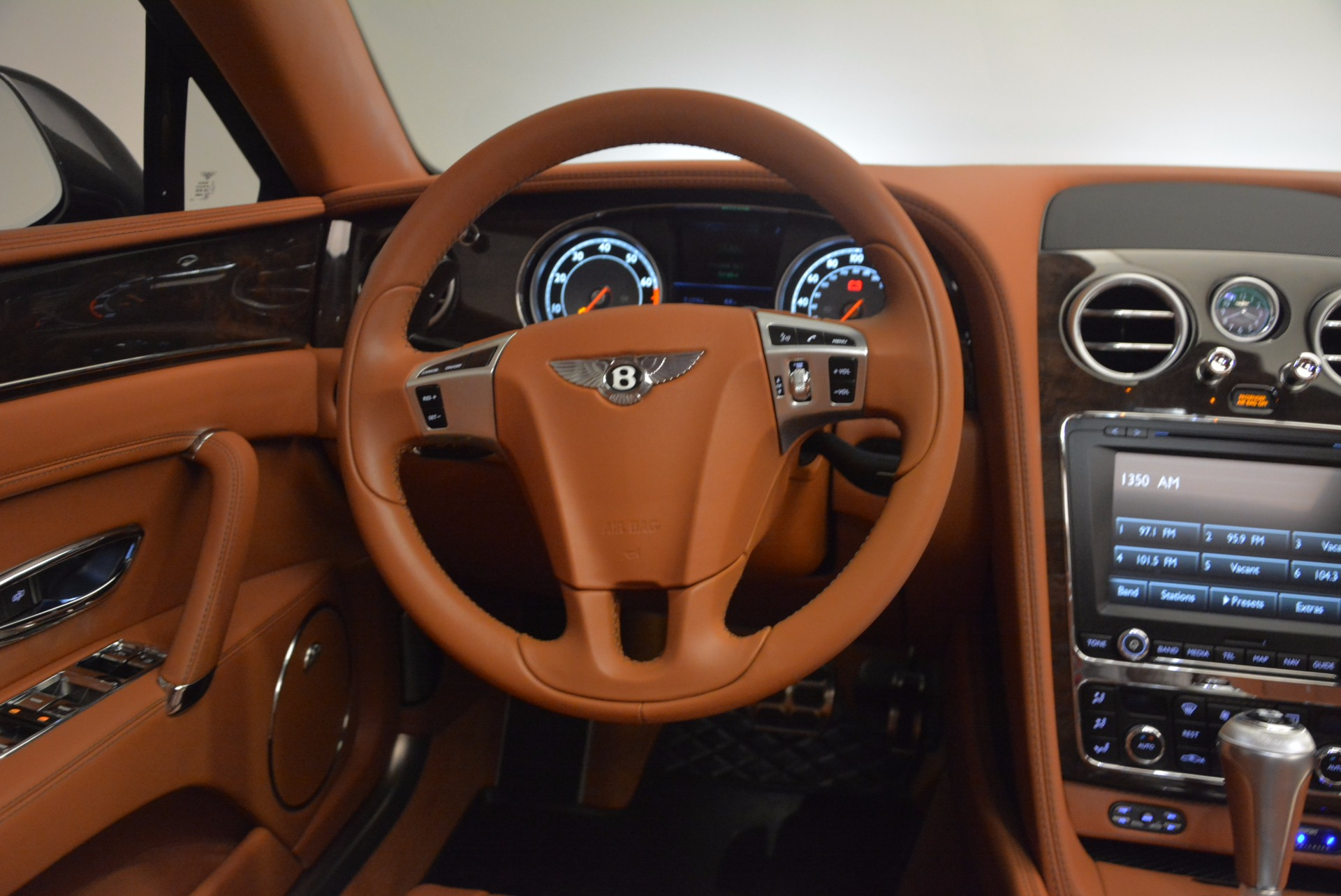 Used 2014 Bentley Flying Spur W12 For Sale In Westport, CT 1598_p44
