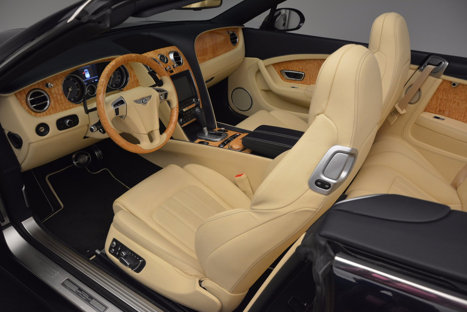 Used 2012 Bentley Continental GTC  For Sale In Westport, CT 16_p33