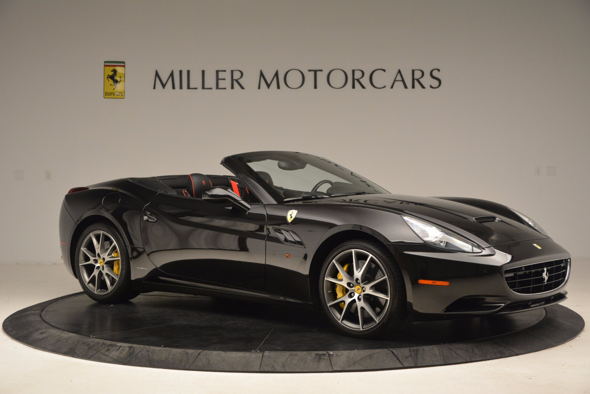 Used 2013 Ferrari California  For Sale In Westport, CT 1603_p10