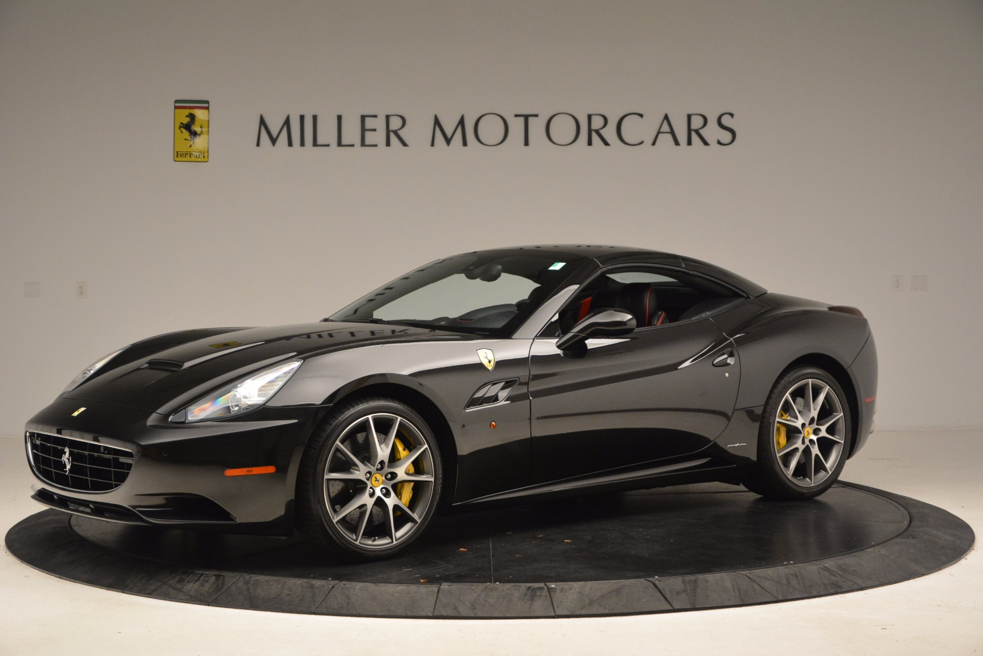 Used 2013 Ferrari California  For Sale In Westport, CT 1603_p14