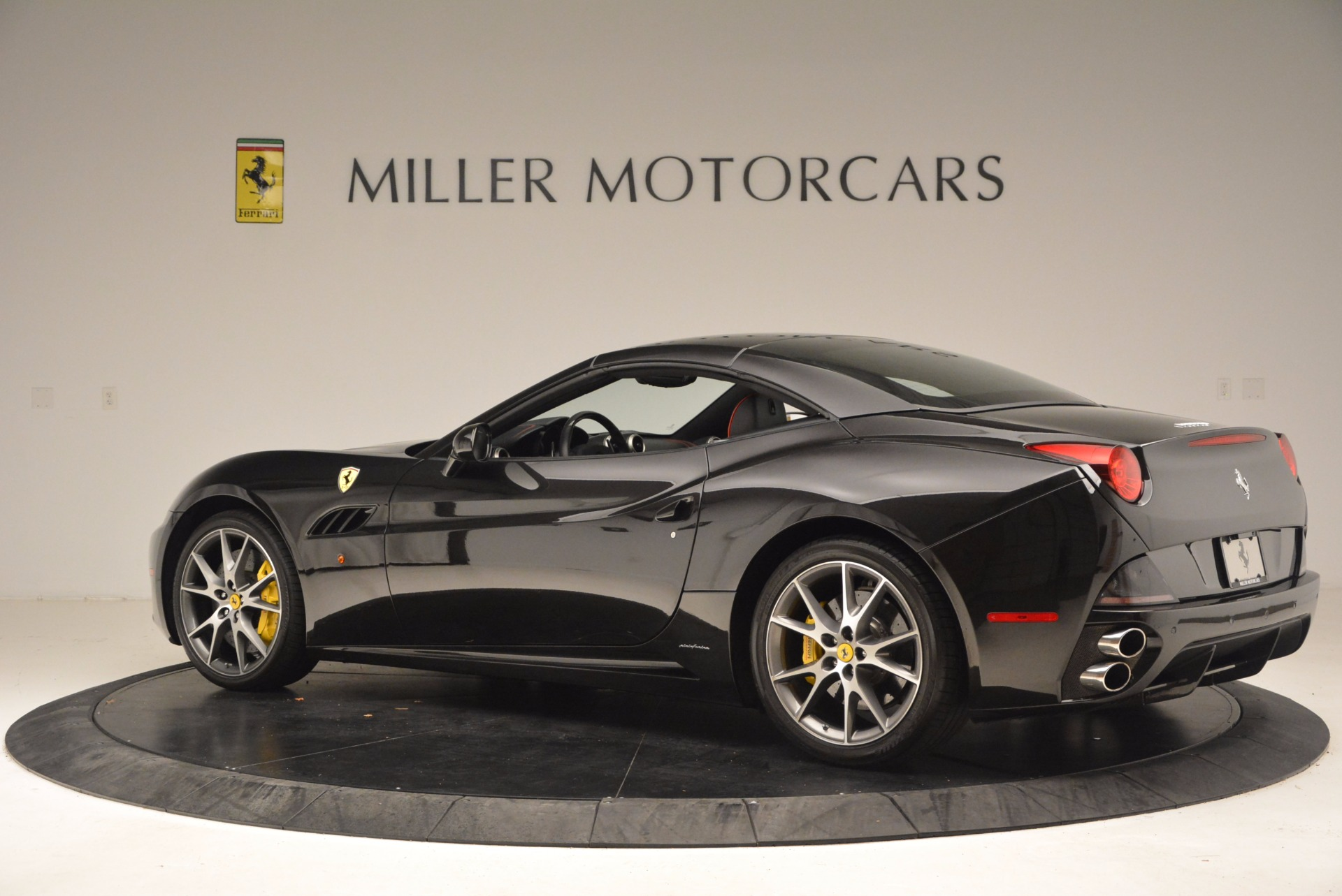Used 2013 Ferrari California  For Sale In Westport, CT 1603_p16