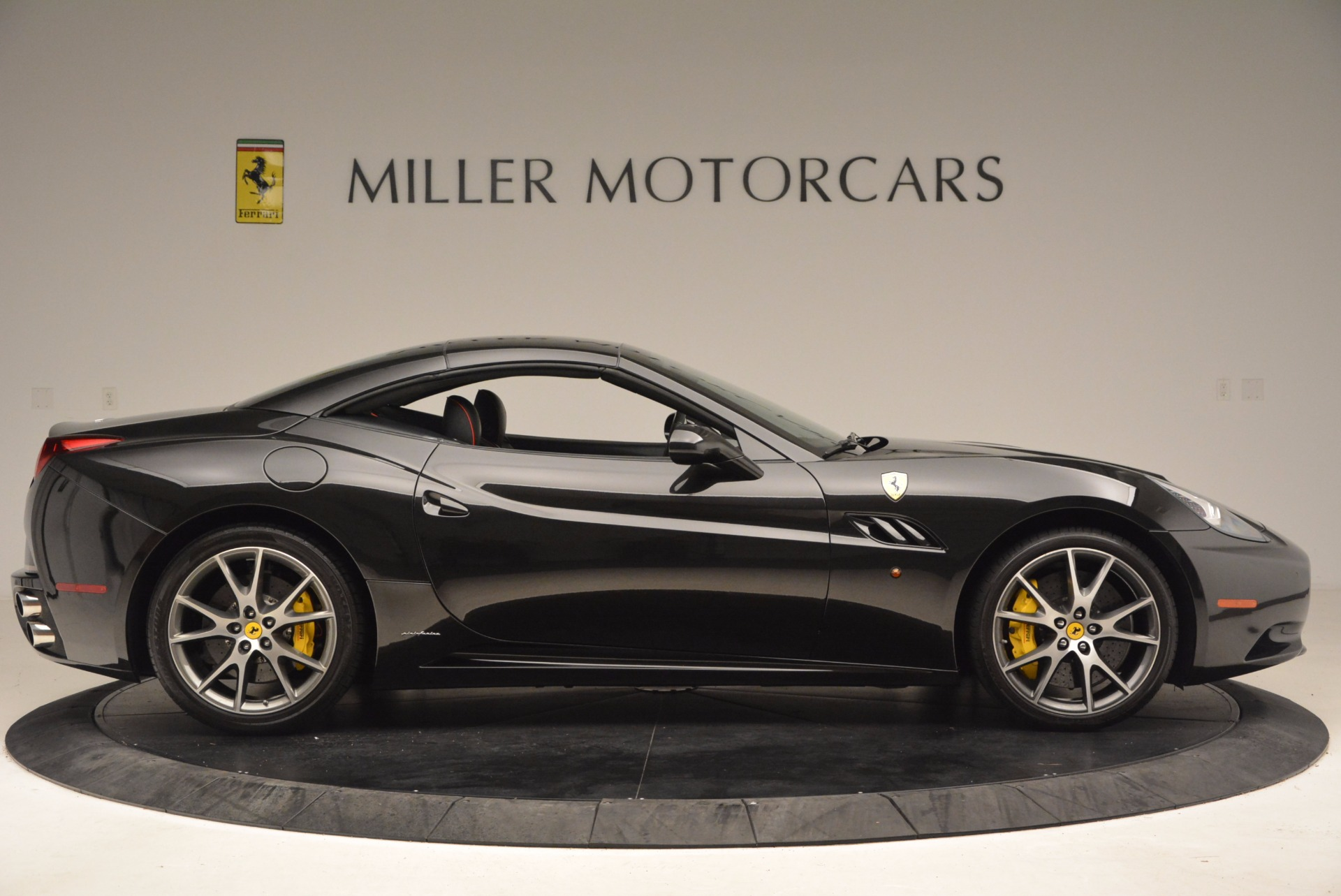 Used 2013 Ferrari California  For Sale In Westport, CT 1603_p21