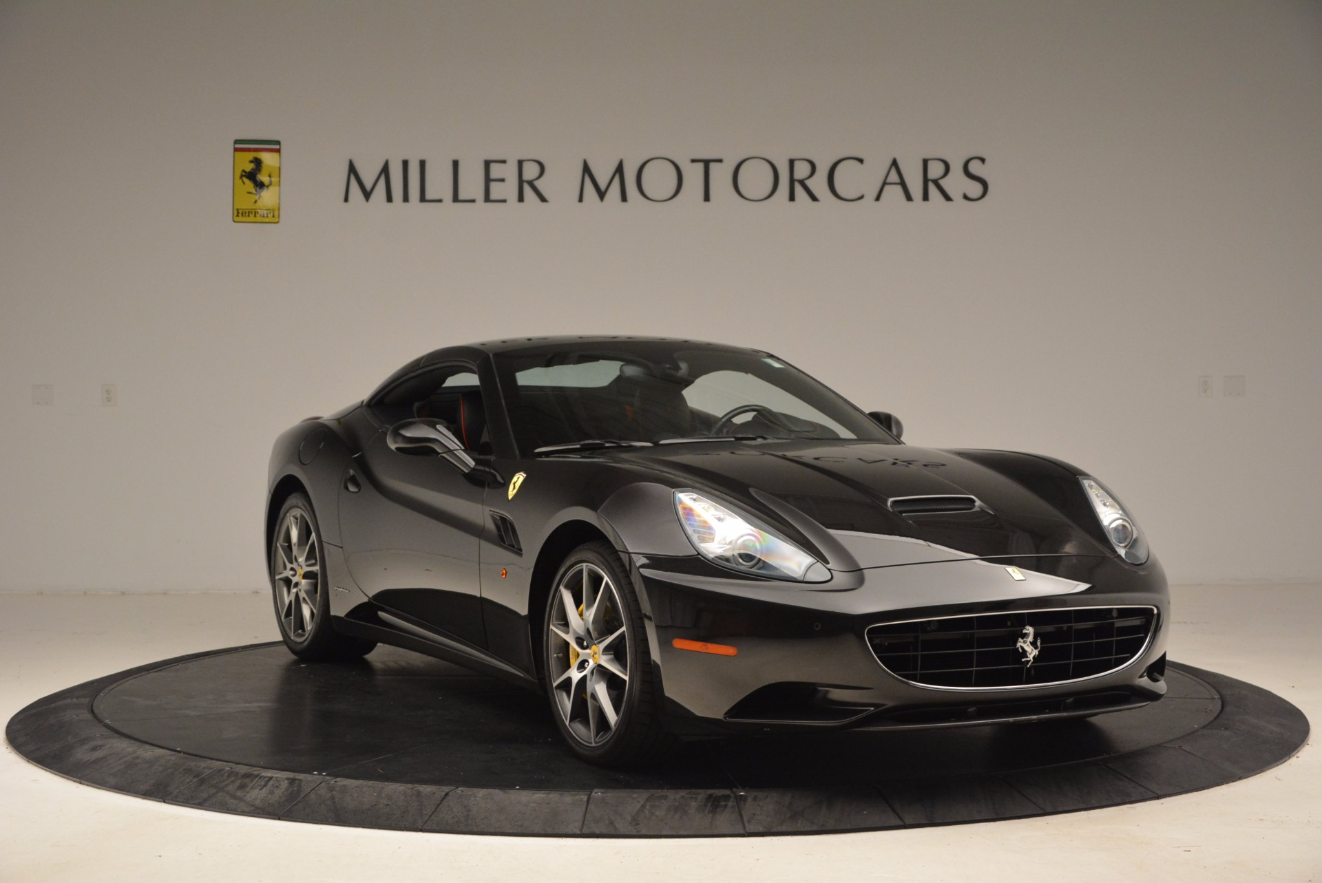Used 2013 Ferrari California  For Sale In Westport, CT 1603_p23