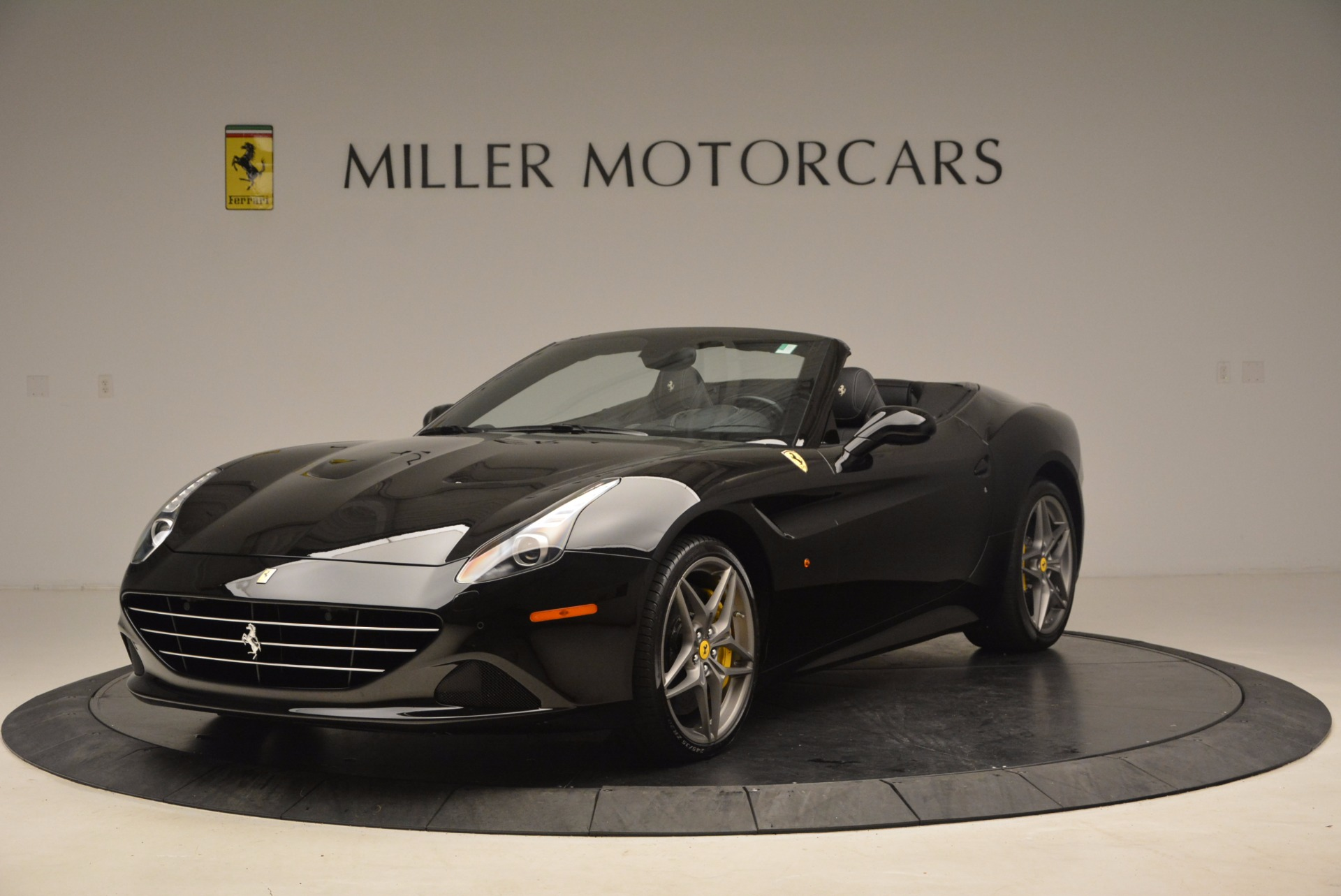 Used 2016 Ferrari California T  For Sale In Westport, CT 1630_main