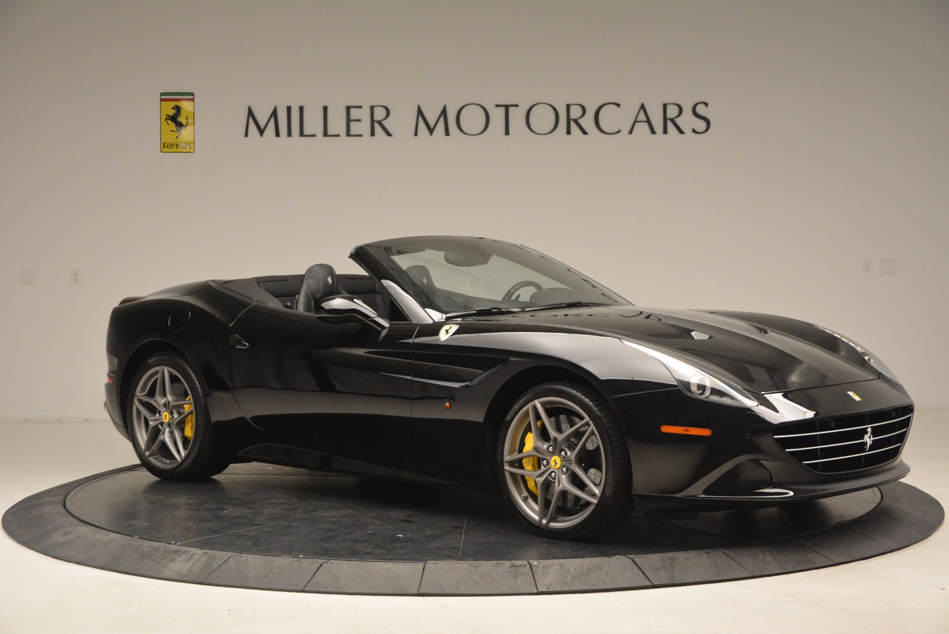 Used 2016 Ferrari California T  For Sale In Westport, CT 1630_p10
