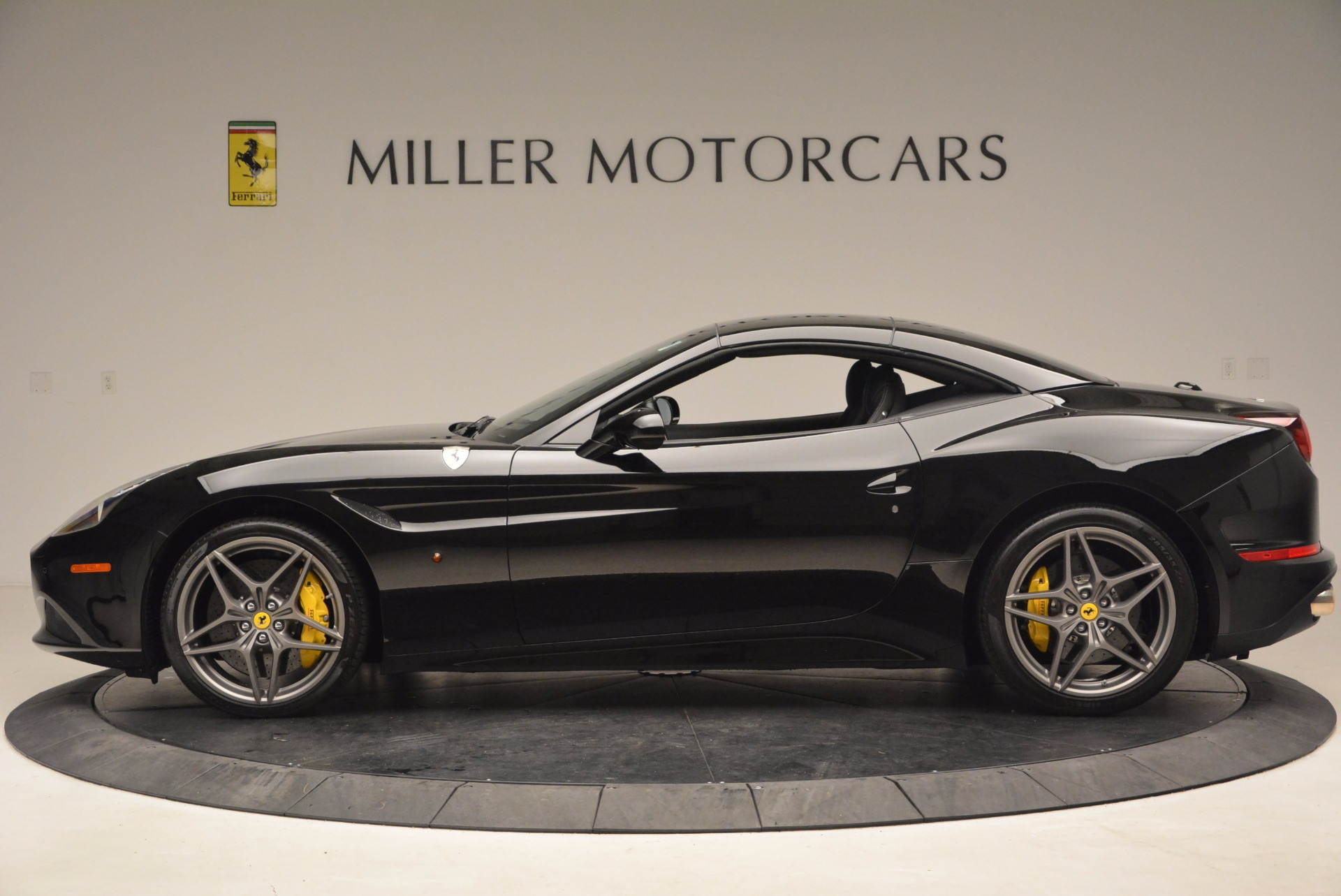 Used 2016 Ferrari California T  For Sale In Westport, CT 1630_p15