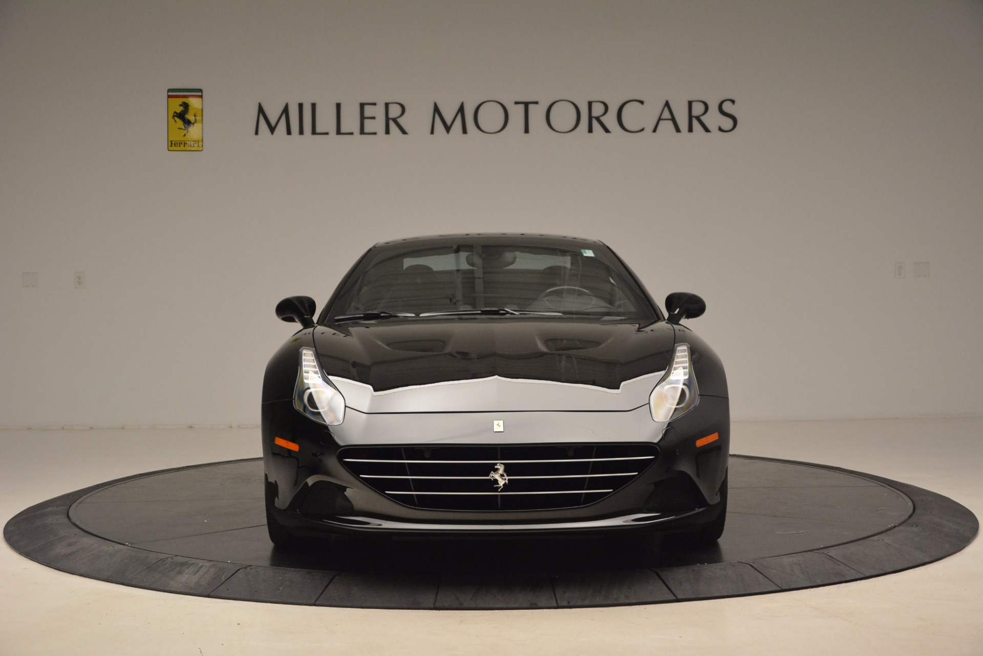 Used 2016 Ferrari California T  For Sale In Westport, CT 1630_p24