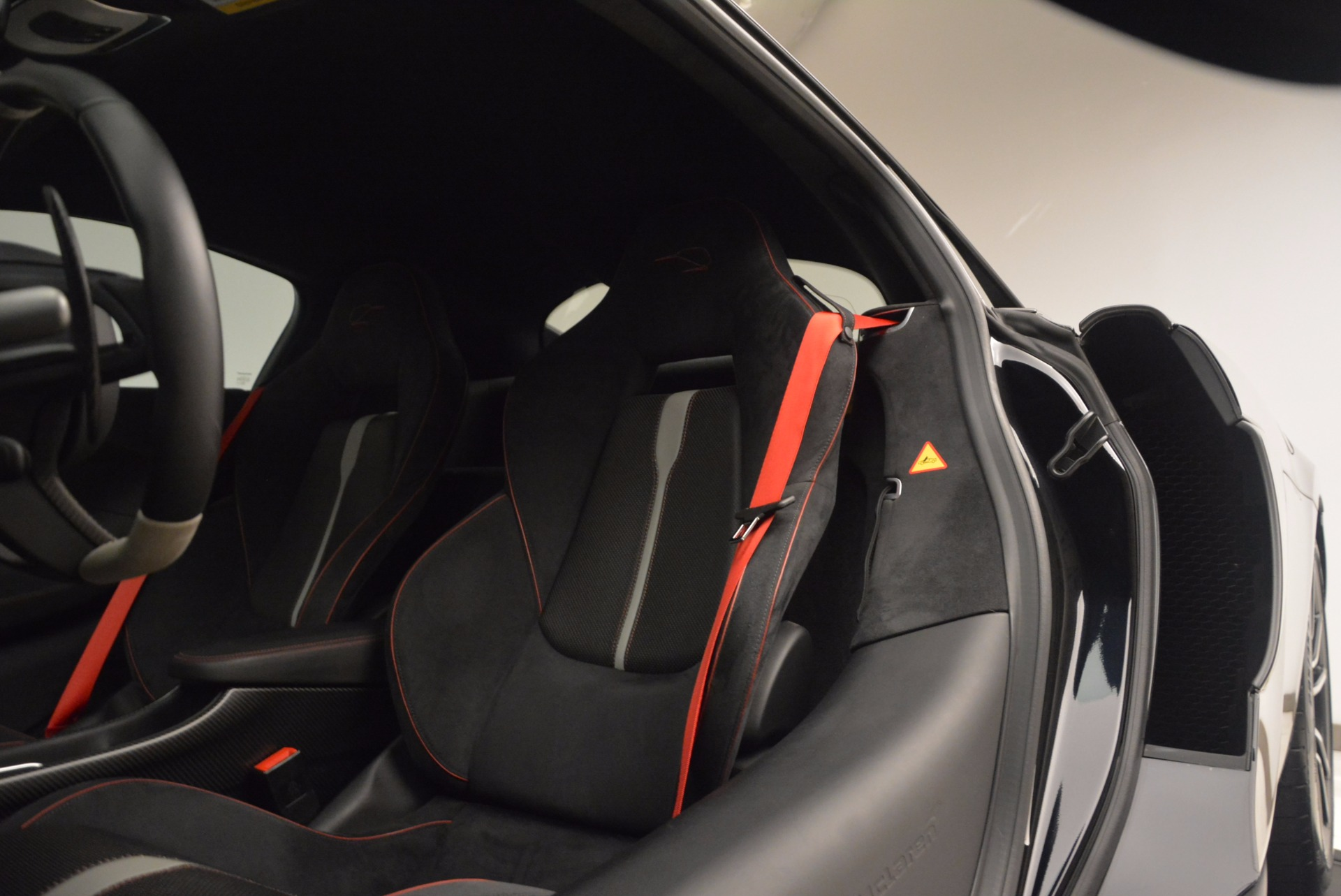 Used 2016 McLaren 570S  For Sale In Westport, CT 1645_p18