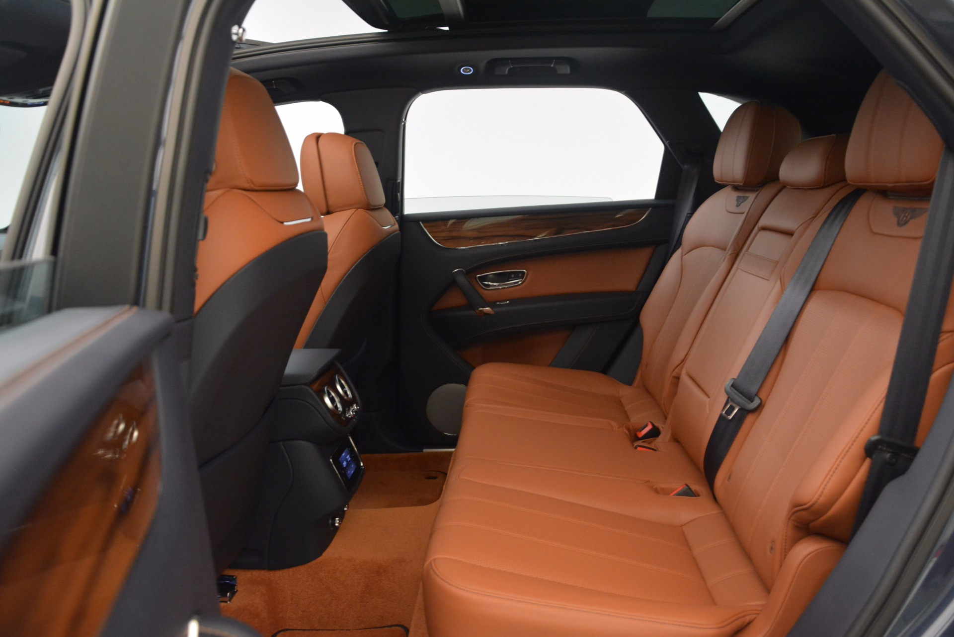 Used 2018 Bentley Bentayga Onyx For Sale In Westport, CT 1651_p25