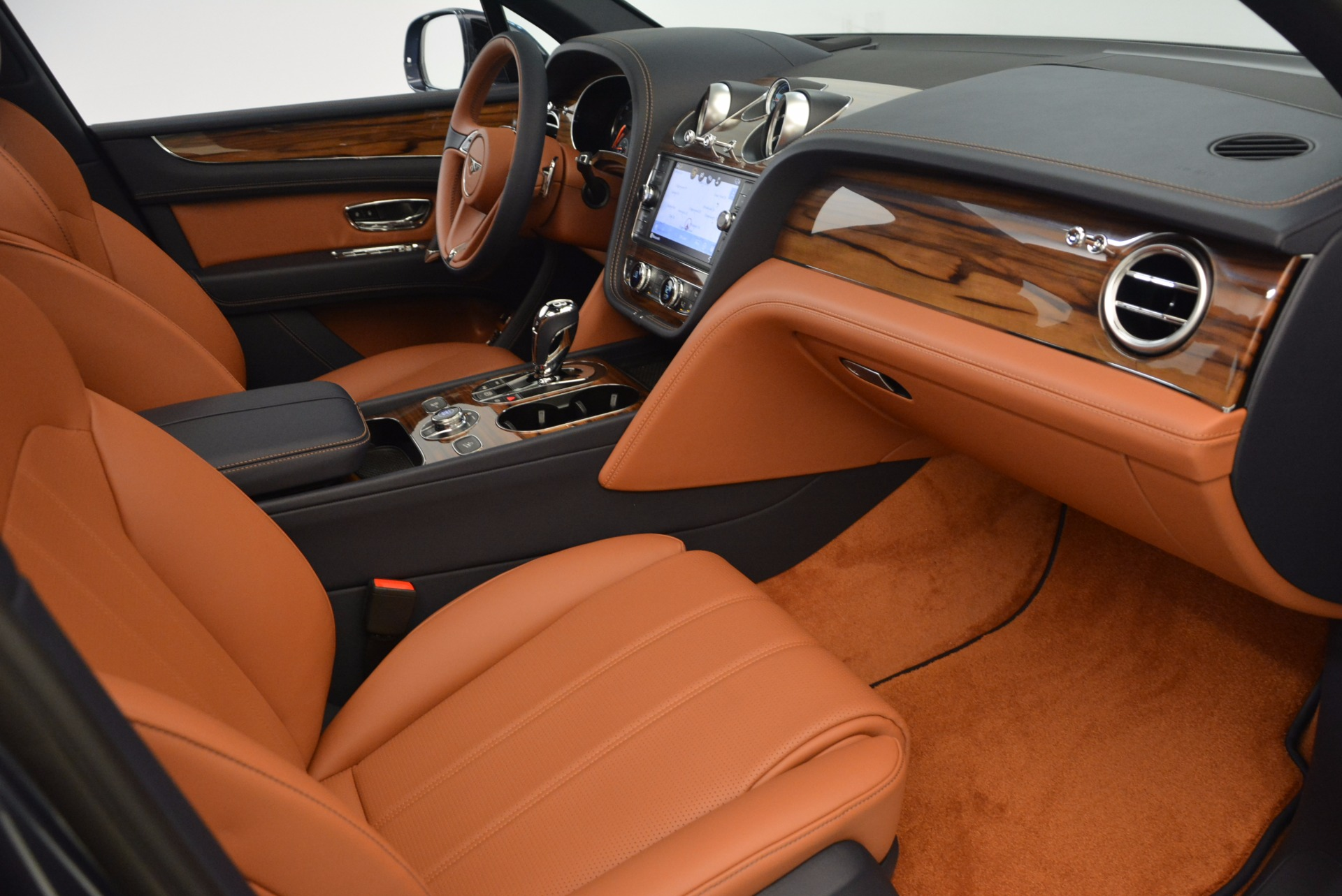 Used 2018 Bentley Bentayga Onyx For Sale In Westport, CT 1651_p27